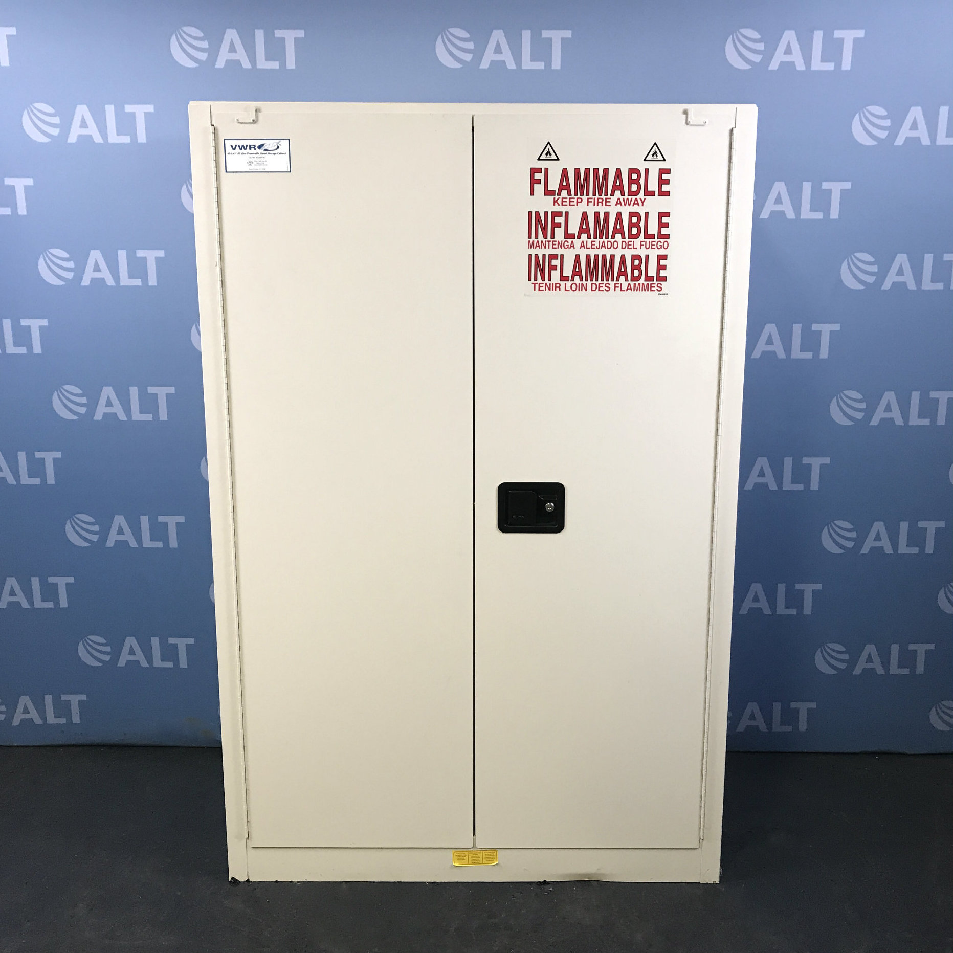 VWR 45 Gal Flammable Liquid Storage Cabinet 82006-890 Image