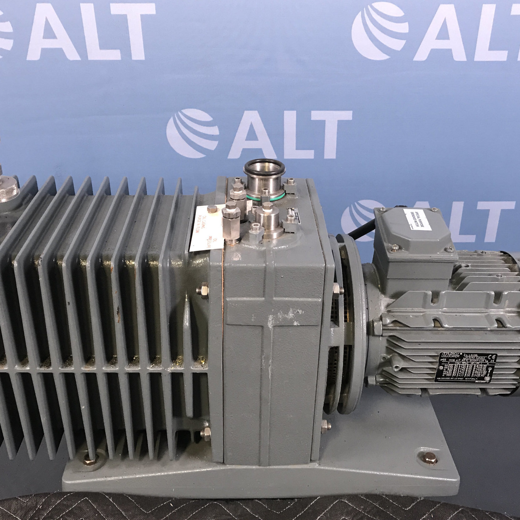 Alcatel 2063 C2 Pascal Series Rotary Vane Vacuum Pump Image