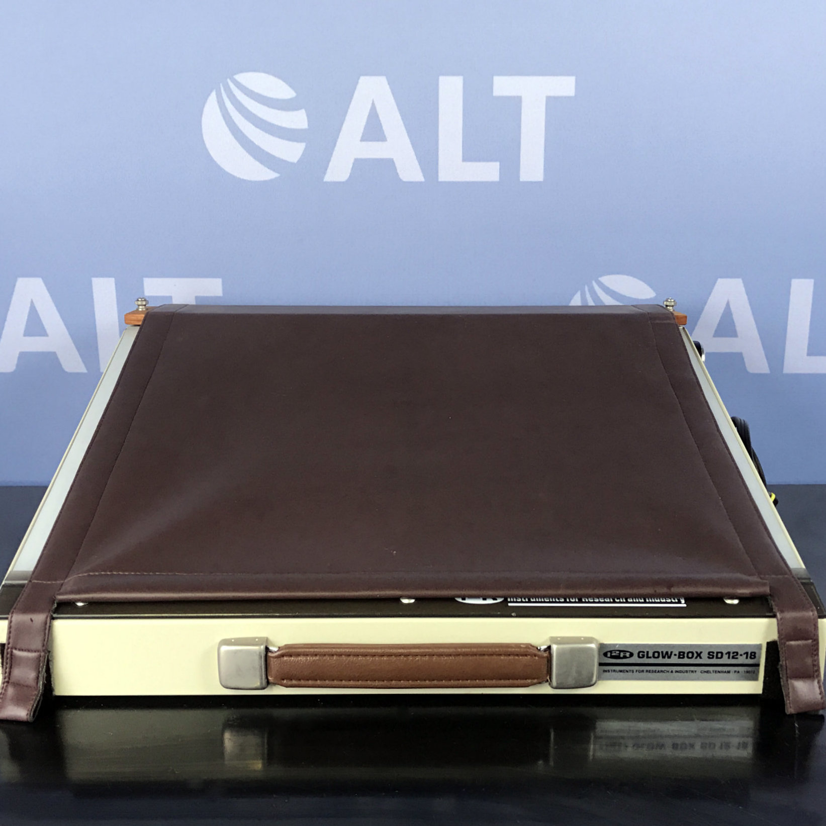 I2R Instruments Glow-Box S 12-18 Image