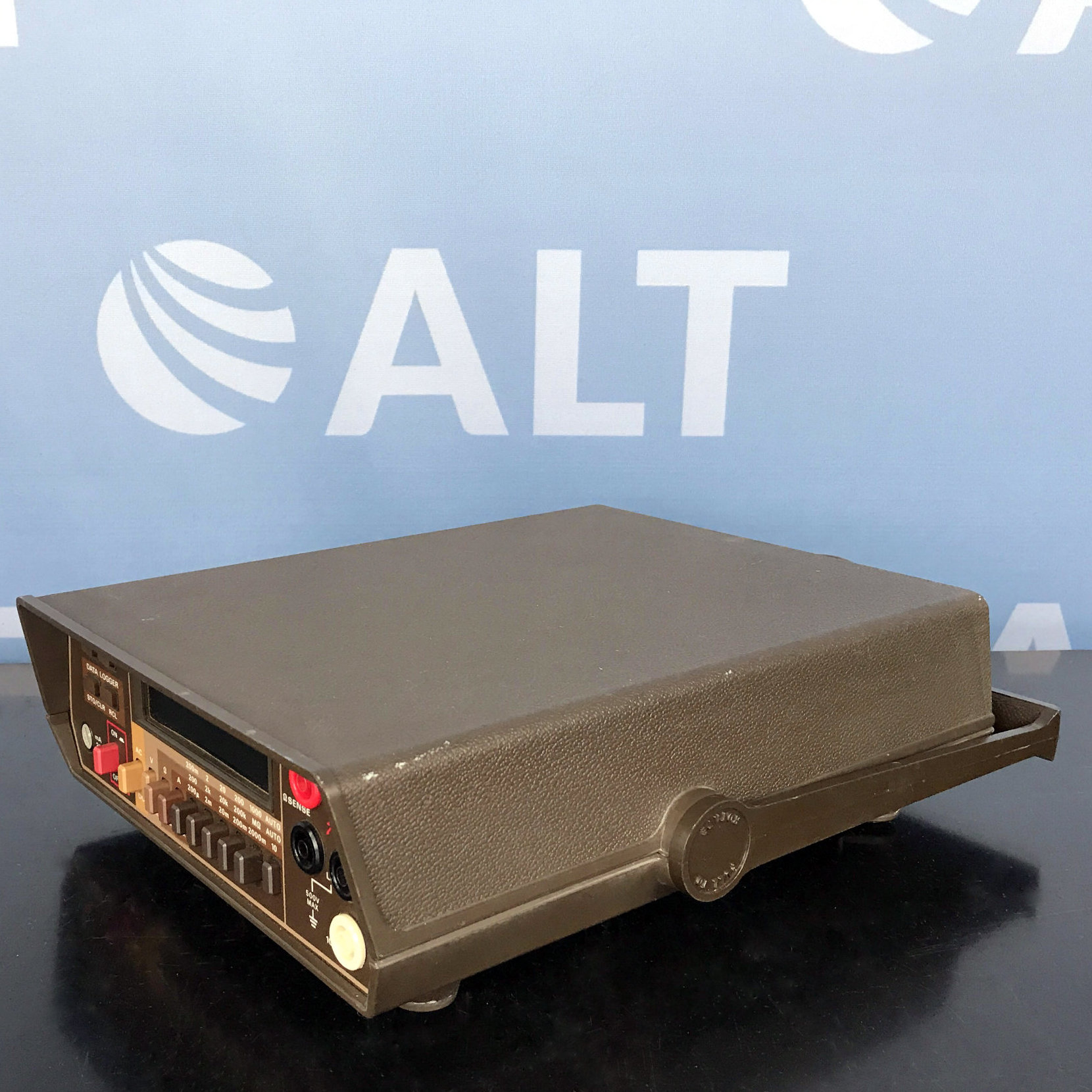 Keithley 197 Portable Autoranging Microvolt DMM Image