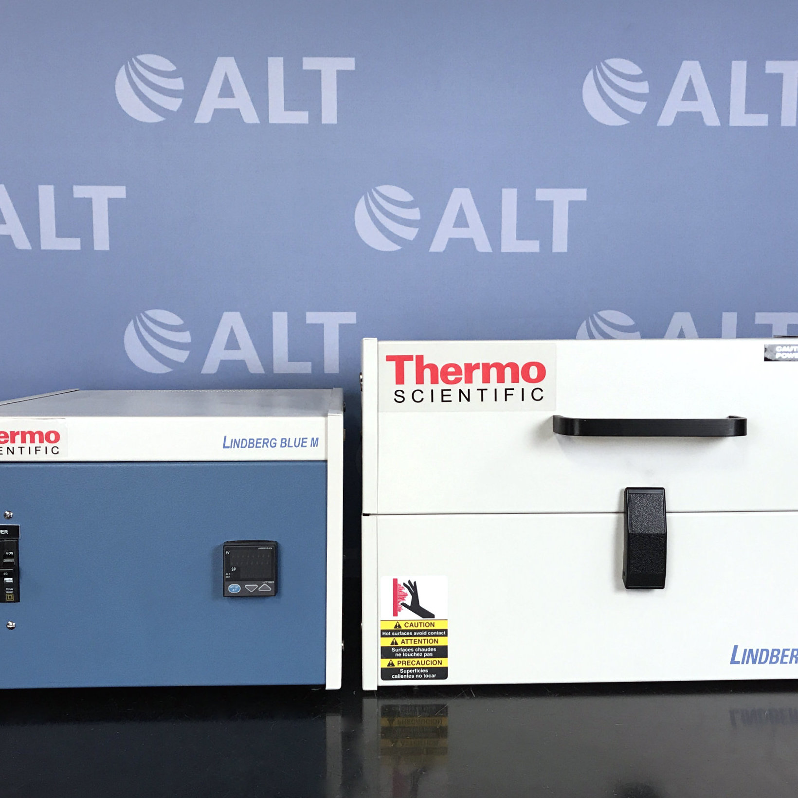 Thermo Scientific Lindberg/Blue M 1200C Split-Hinge Tube Furnace Model HTF55122A with Control Console Model CC58114COMA-1 Image