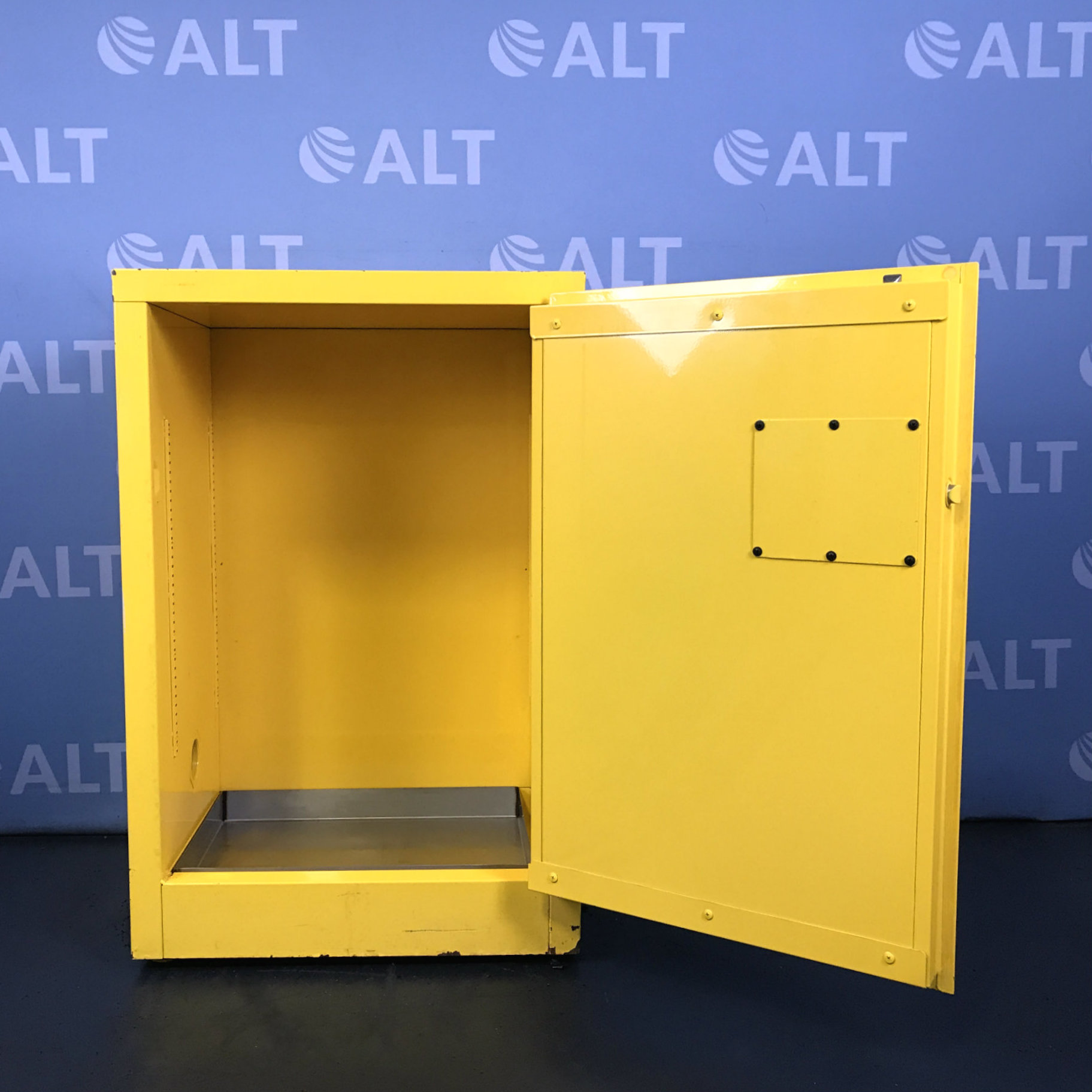 Securall 12 Gal Flammable Storage Cabinet Image