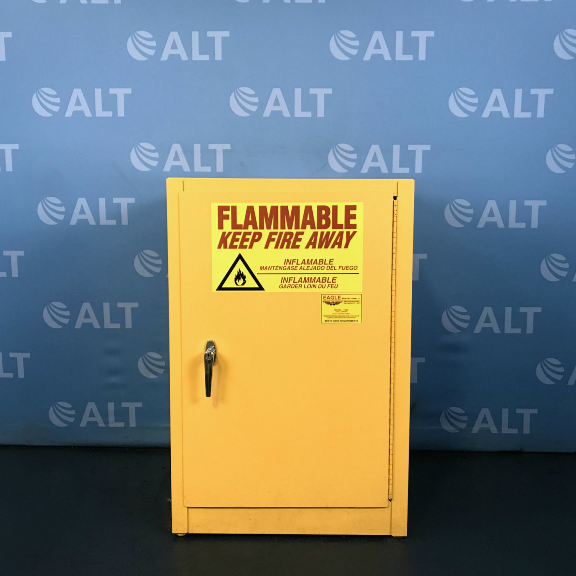 Eagle Manufacturing Model 1925 12 Gallon Flammable Safety Storage Cabinet Image