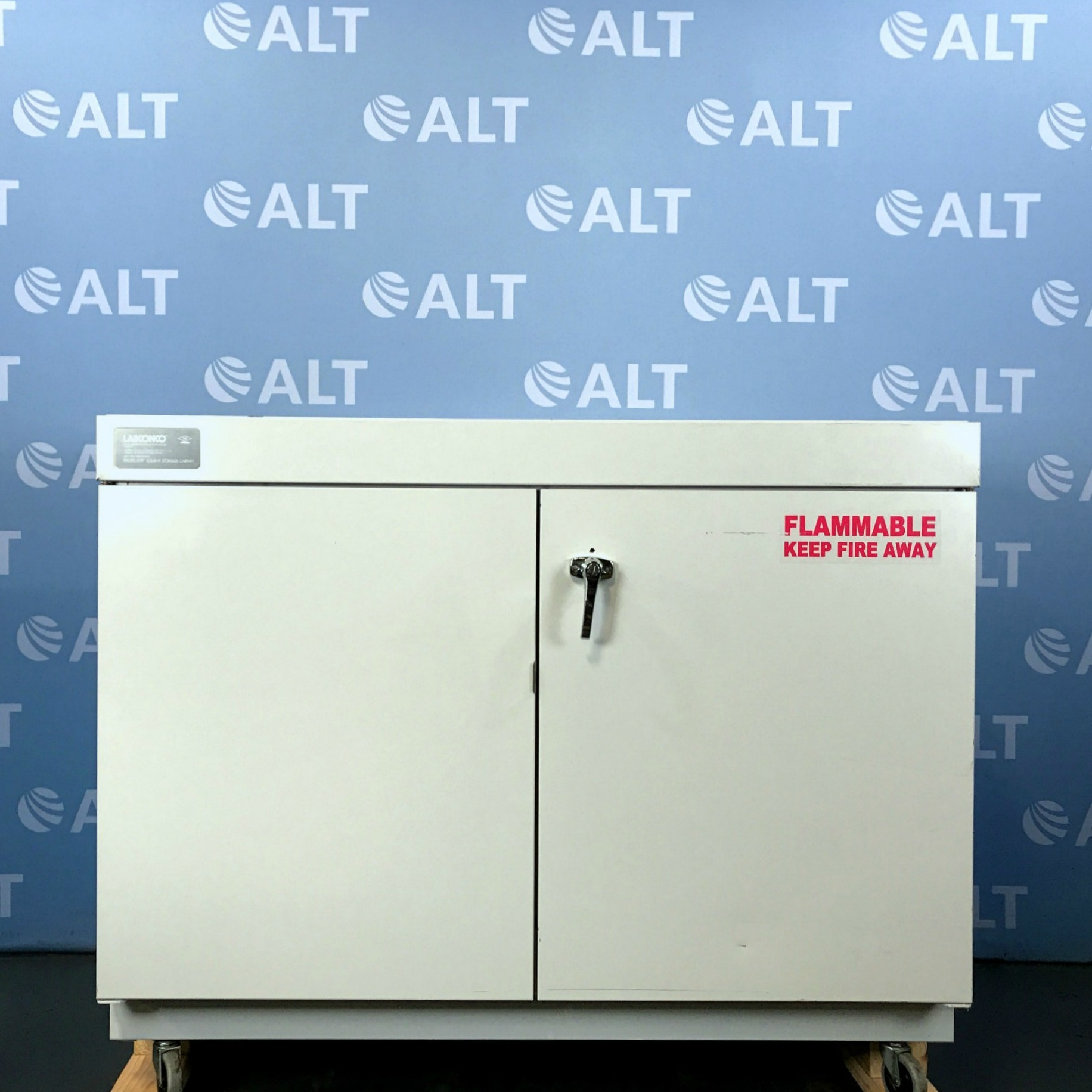 Protector Solvent Storage Cabinet CAT No. 9903000 Name