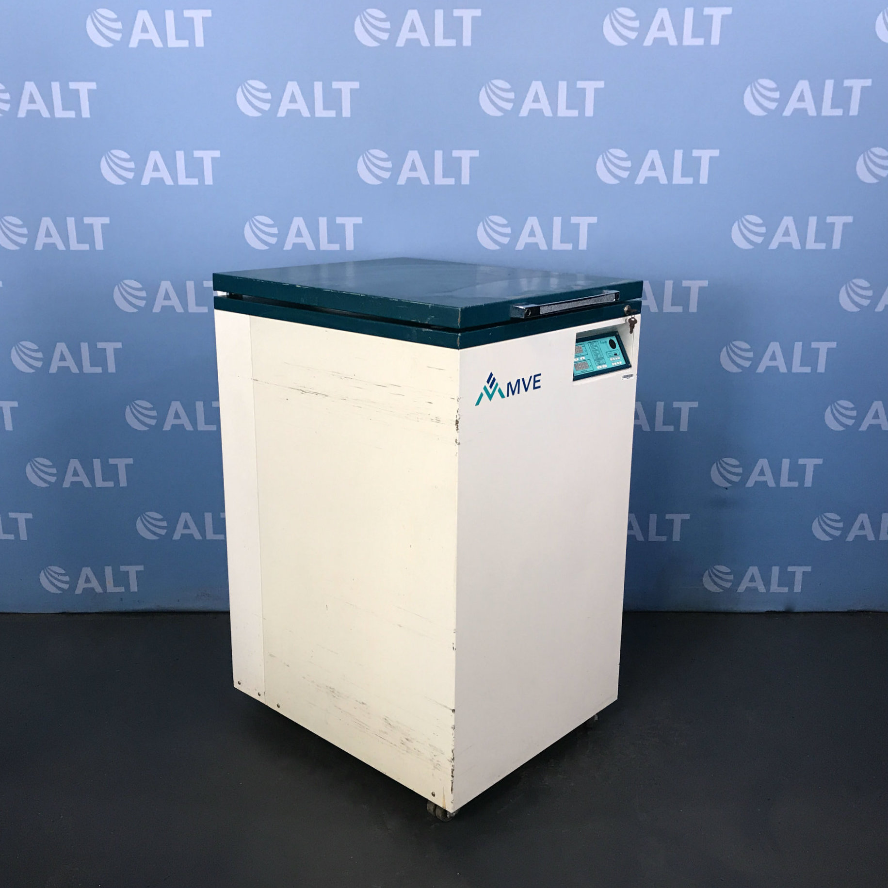 MVE CIO-STOR 500 Cryogenic Storage System Image