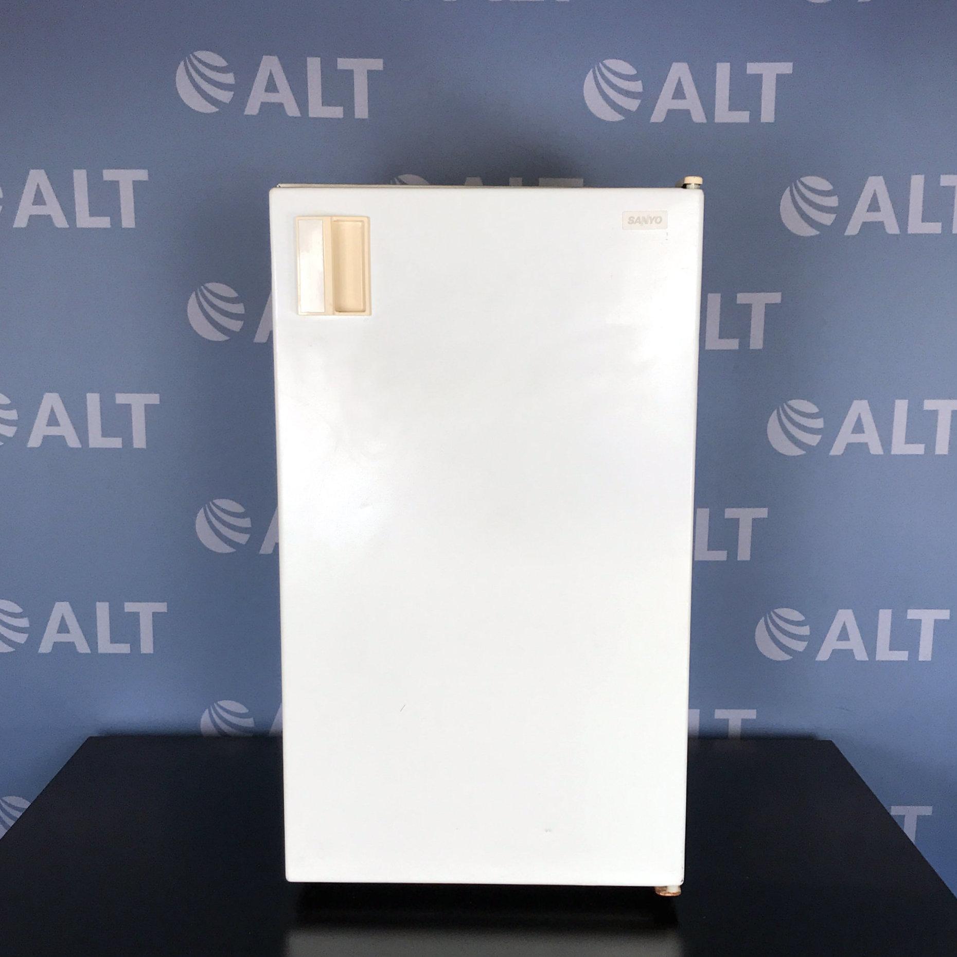Sanyo SR-361W Undercounter Refrigerator/Freezer Name