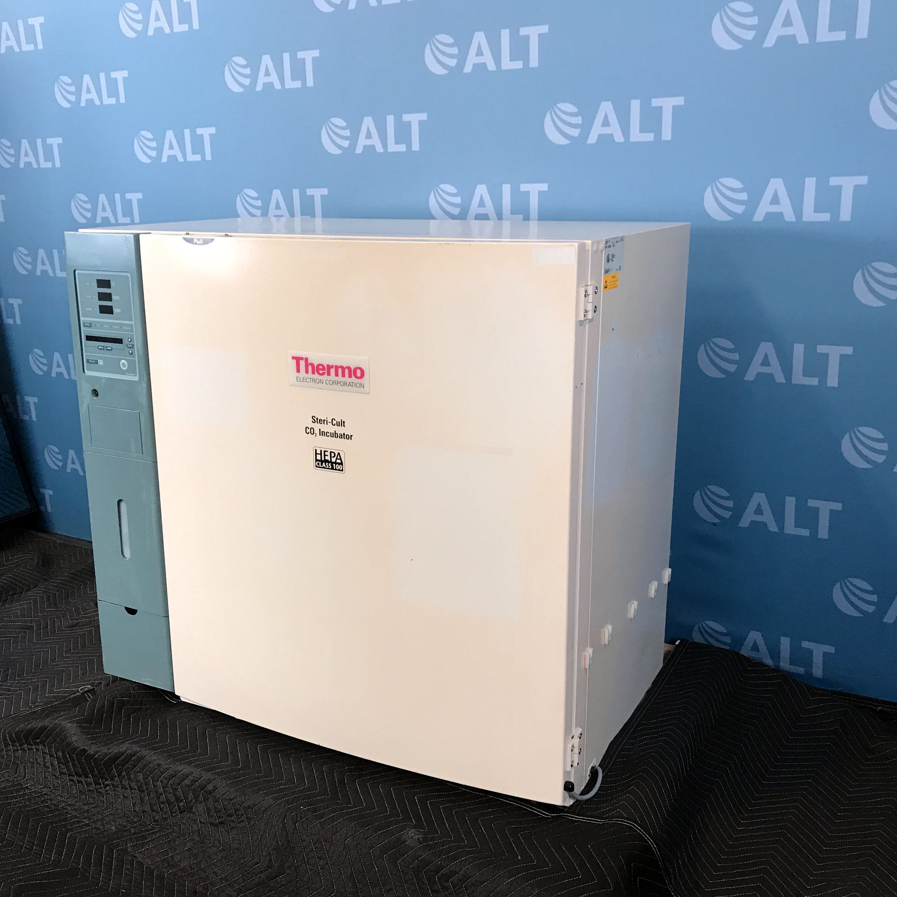 Thermo Electron Corporation 3310 Steri-cult Co2 Incubator Image