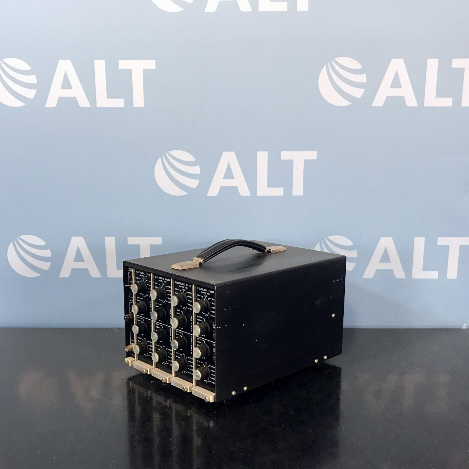 Ithaco Electronic Filter 4111 Image
