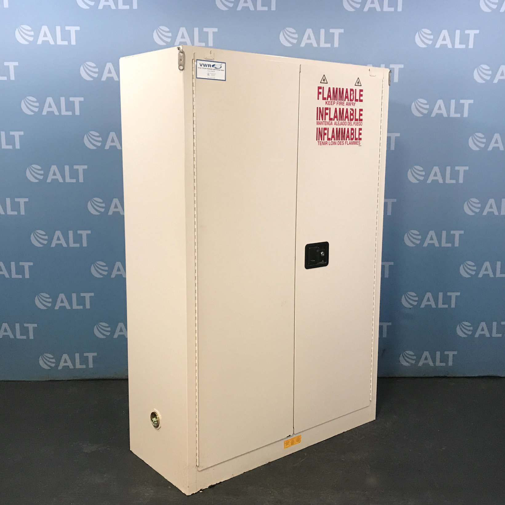 VWR 45 Gal Flammable Liquid Storage Cabinet 97008-334 Image