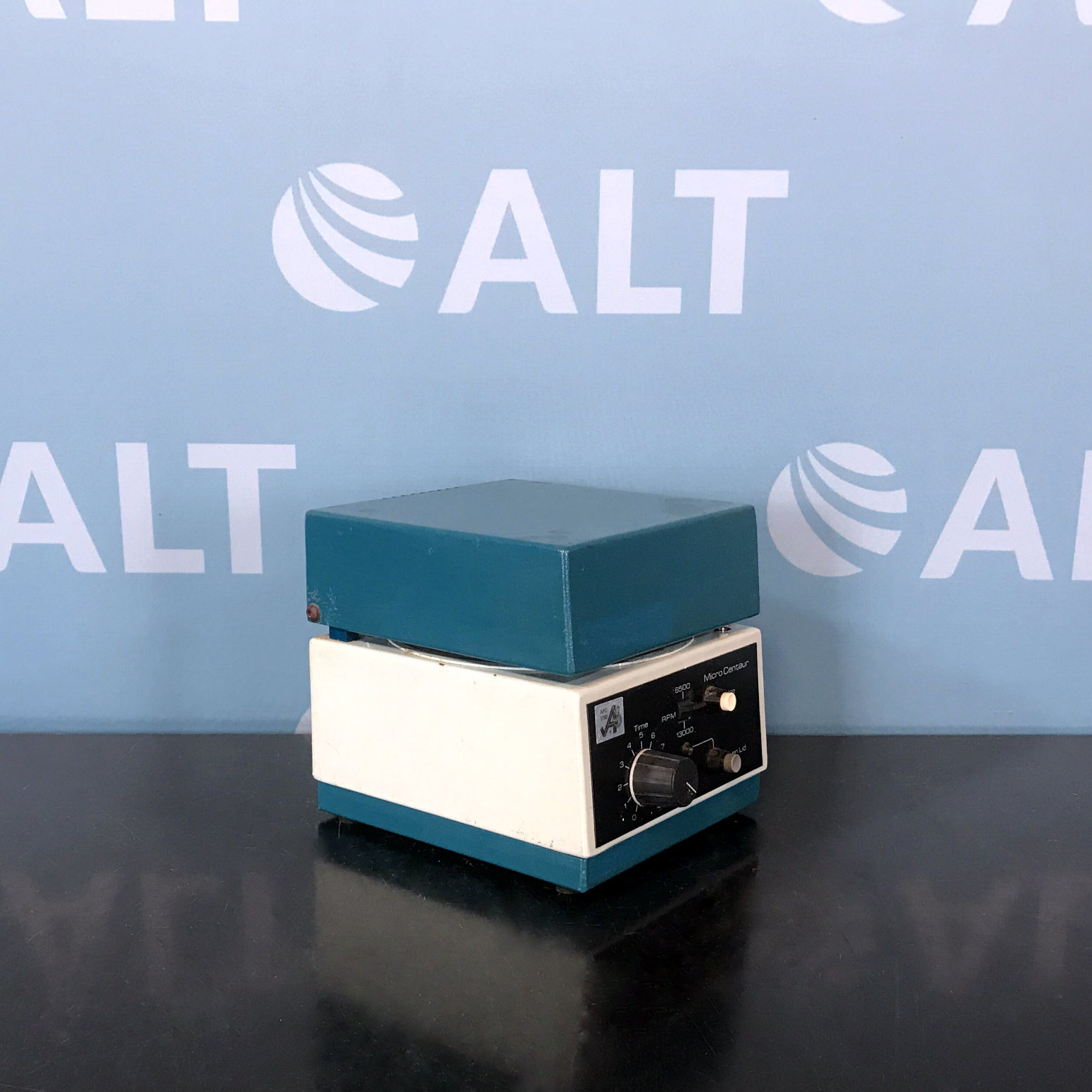 APO Micro Centrifuge with Rotor Image