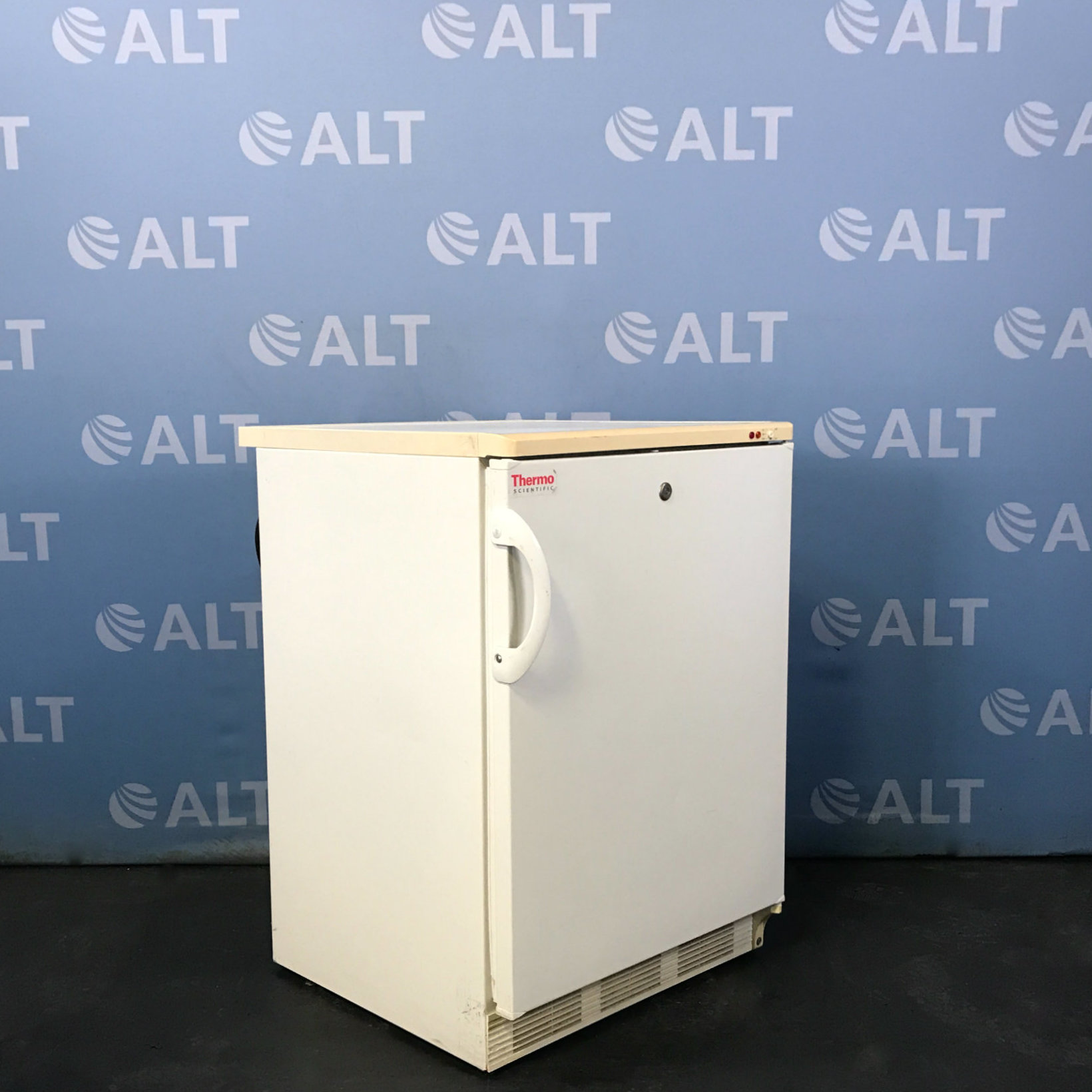 Thermo Scientific -20C Laboratory Freezer, 3.2 cu ft Model 3753 Image