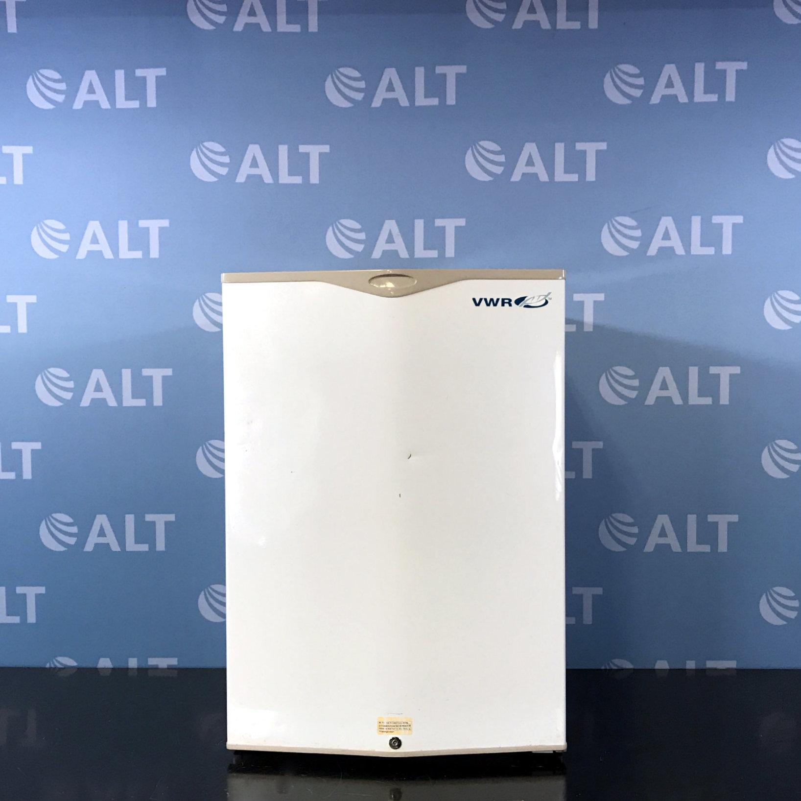 VWR Undercounter Refrigerator Model R406GA15 Image