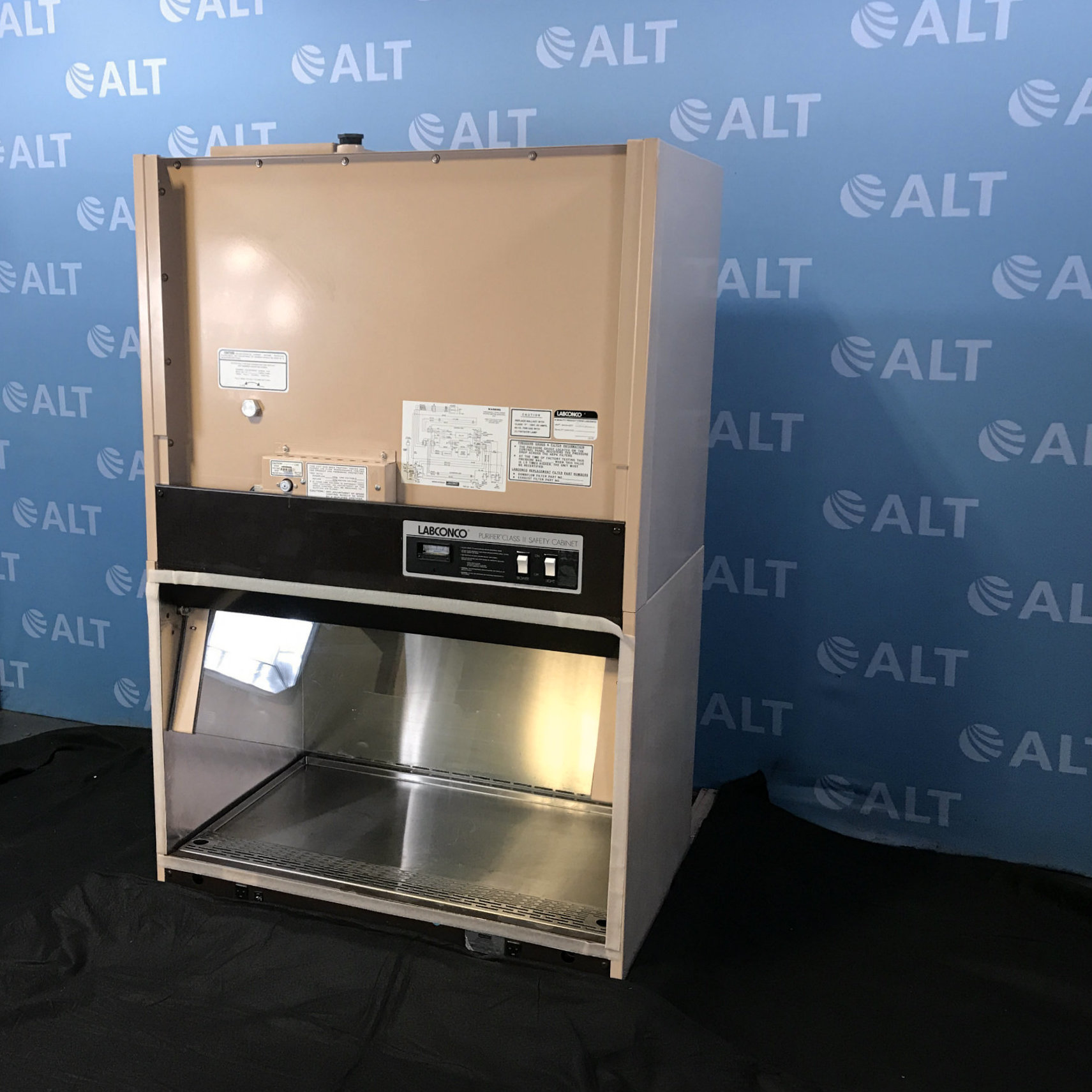 Labconco Purifier Class II Safety Cabinet CAT:36204 Image