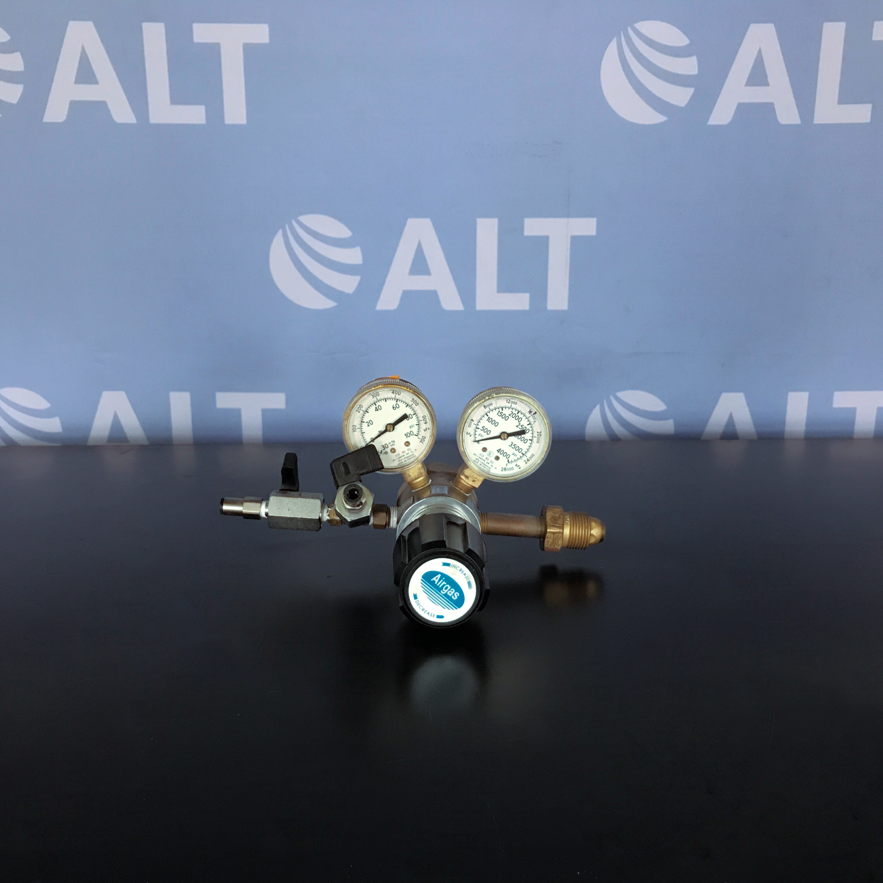 4122351-580 High Purity Brass Two Stage Gas Regulator Name
