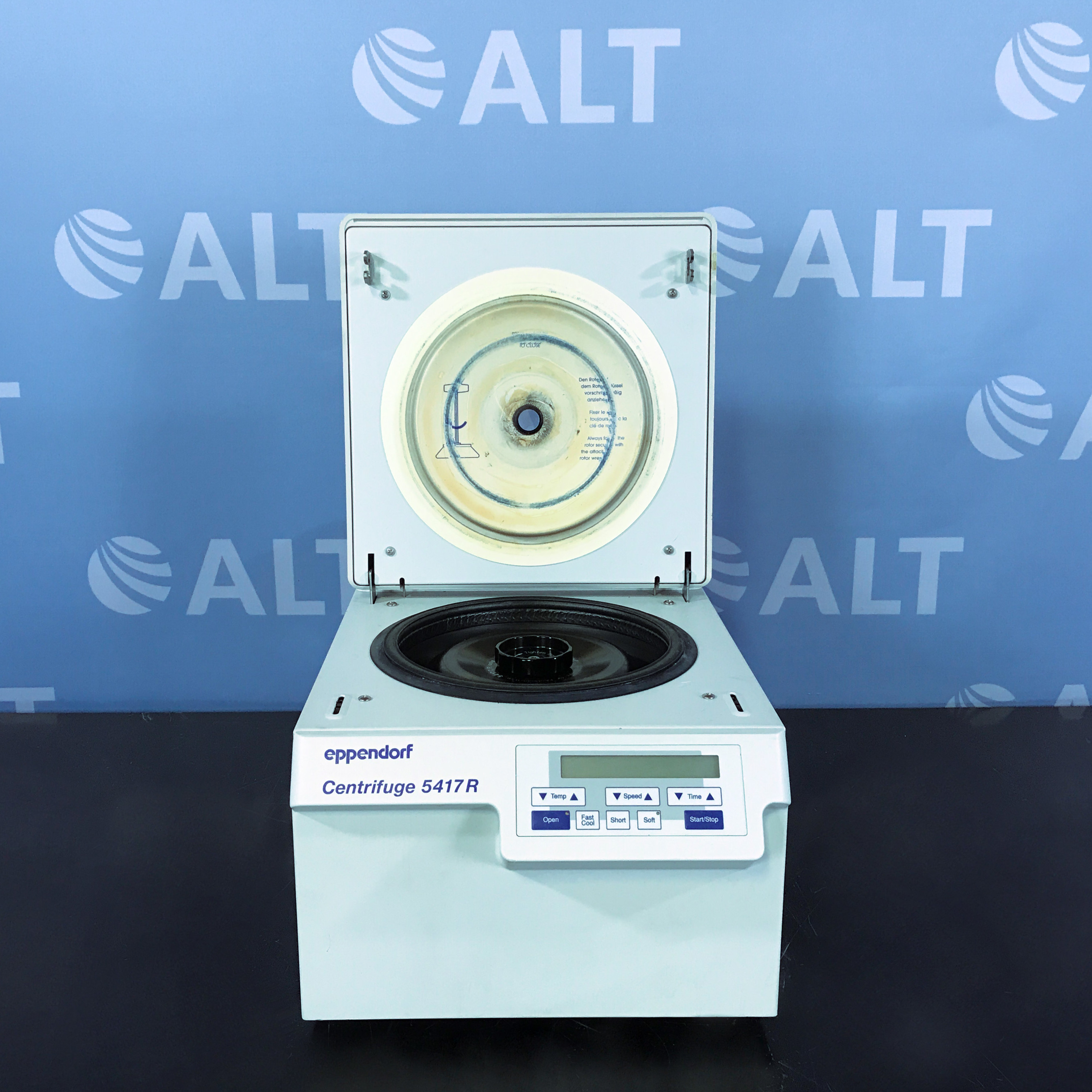 Eppendorf 5417R Refrigerated Microcentrifuge with FA 45-30-11 Rotor Image