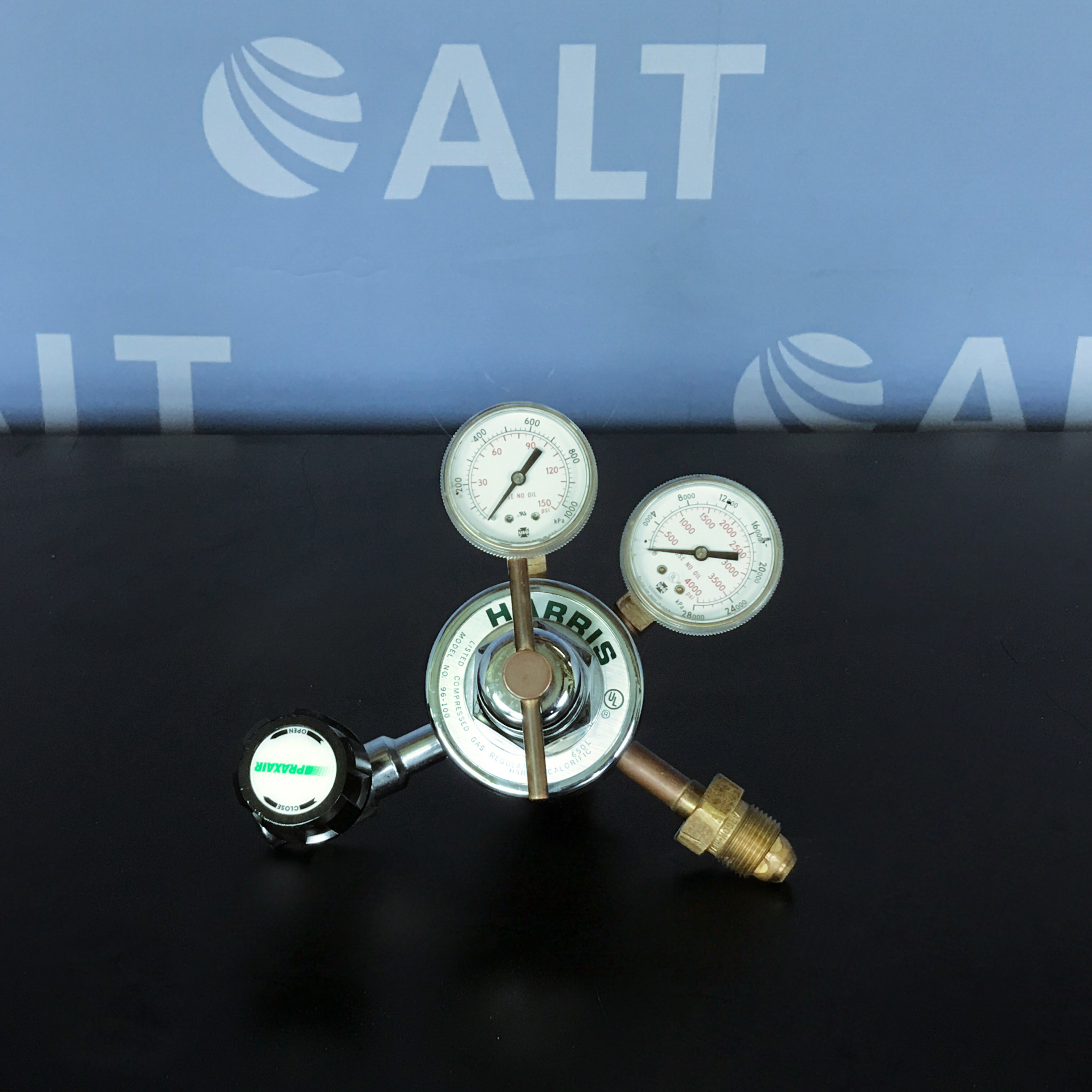 Harris 96-100 Compressed Gas Regulator Image