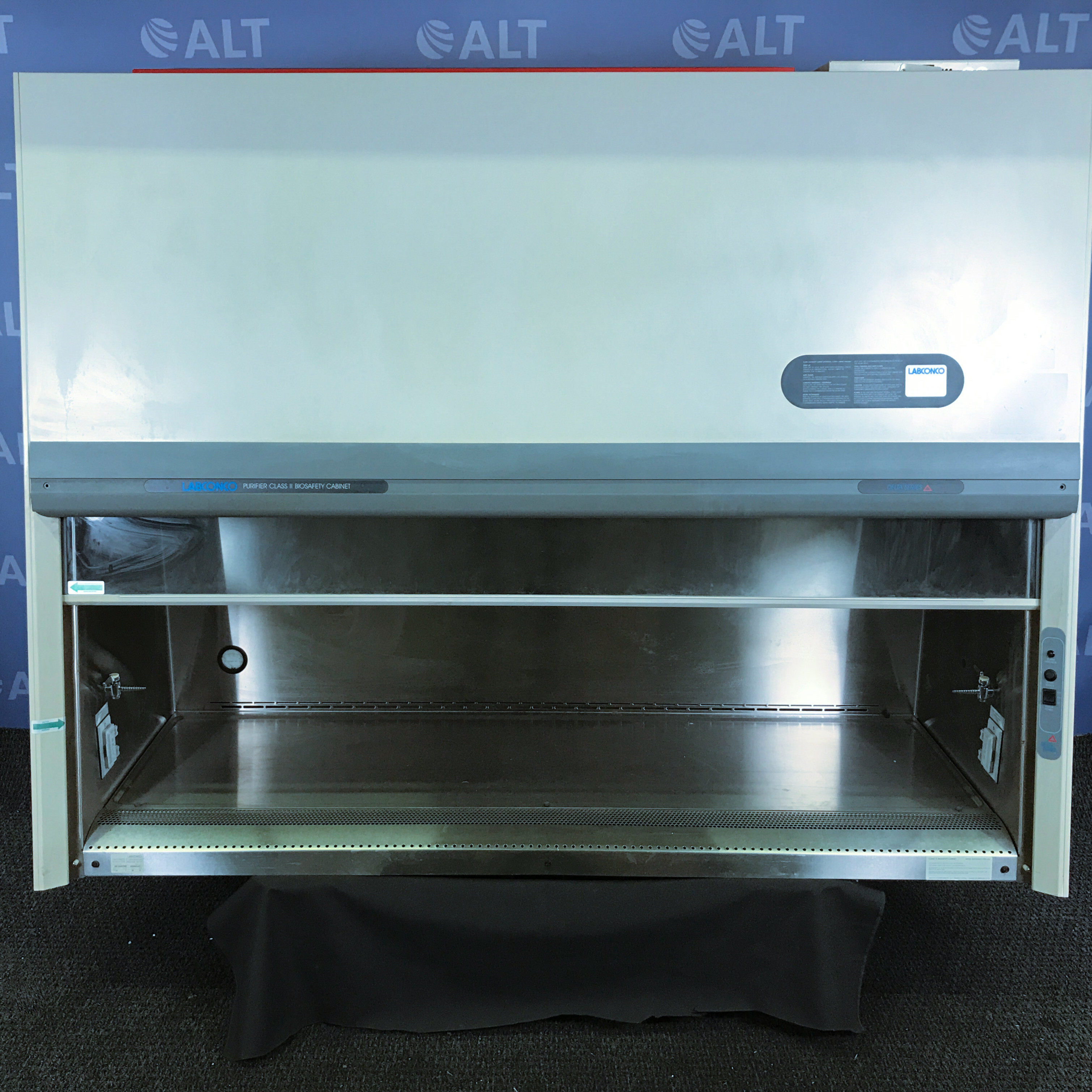 6' Delta Series Purifier Class II Biosafety Cabinet CAT: 36213043726 Name