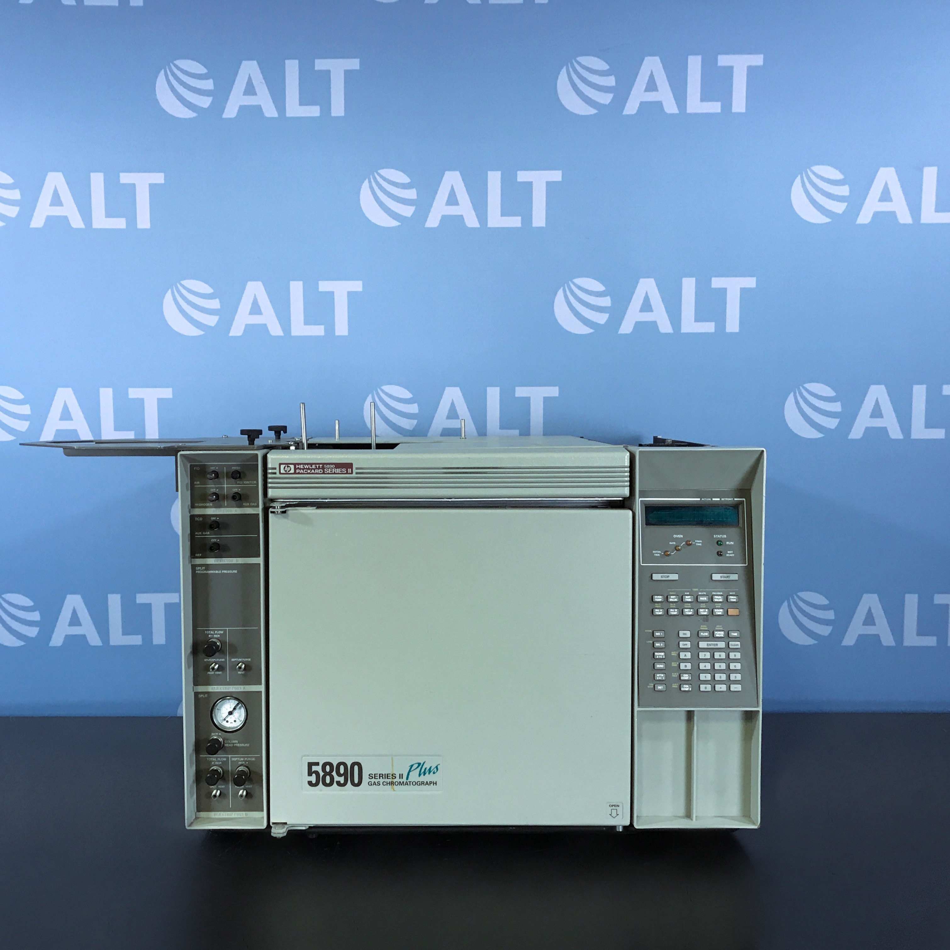 Hewlett Packard HP 5890 Series II Plus Gas Chromatograph (GC) System Image