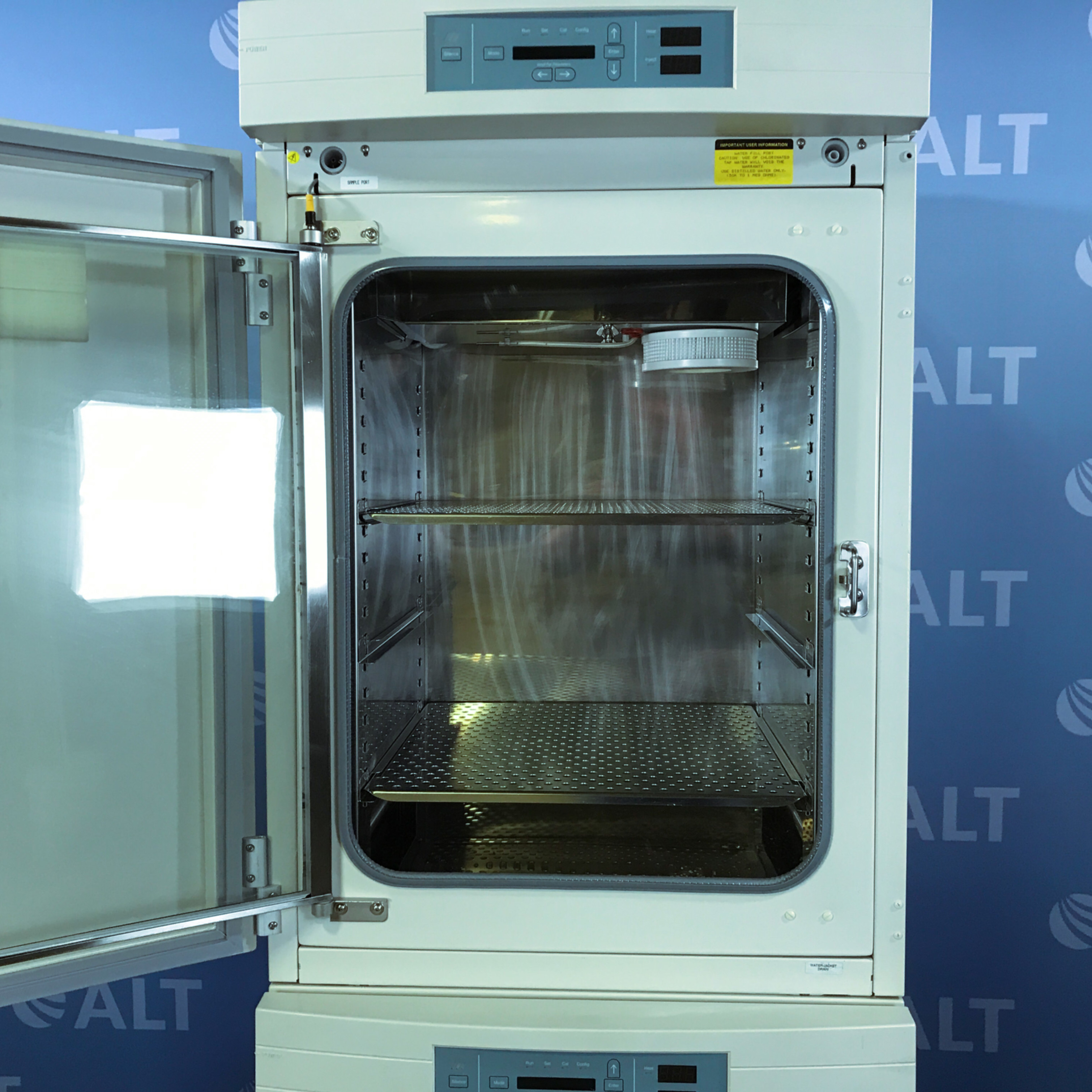 Forma Scientific Forma Series II 3110 Water Jacketed CO2 Dual Stack Incubator Image