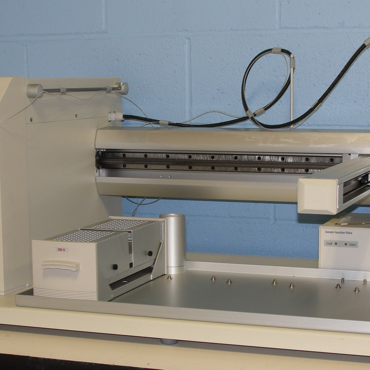 Gilson 215 Liquid Handler with 819 Sample Injection Valve Image