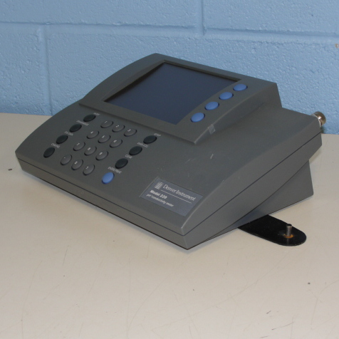 Denver Instrument 220 pH/mV/Temperature/Conductivity Meter Image
