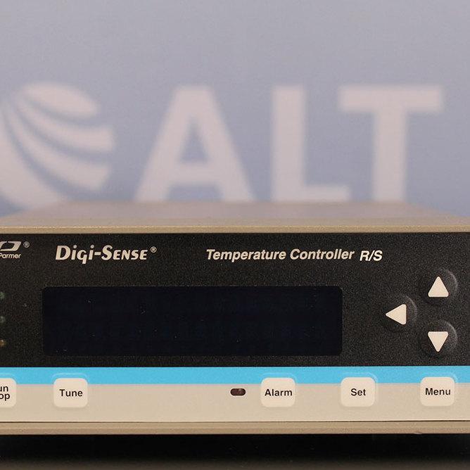Cole-Parmer Digi-Sense Temperature Controller R/S Model 89000-10 Image
