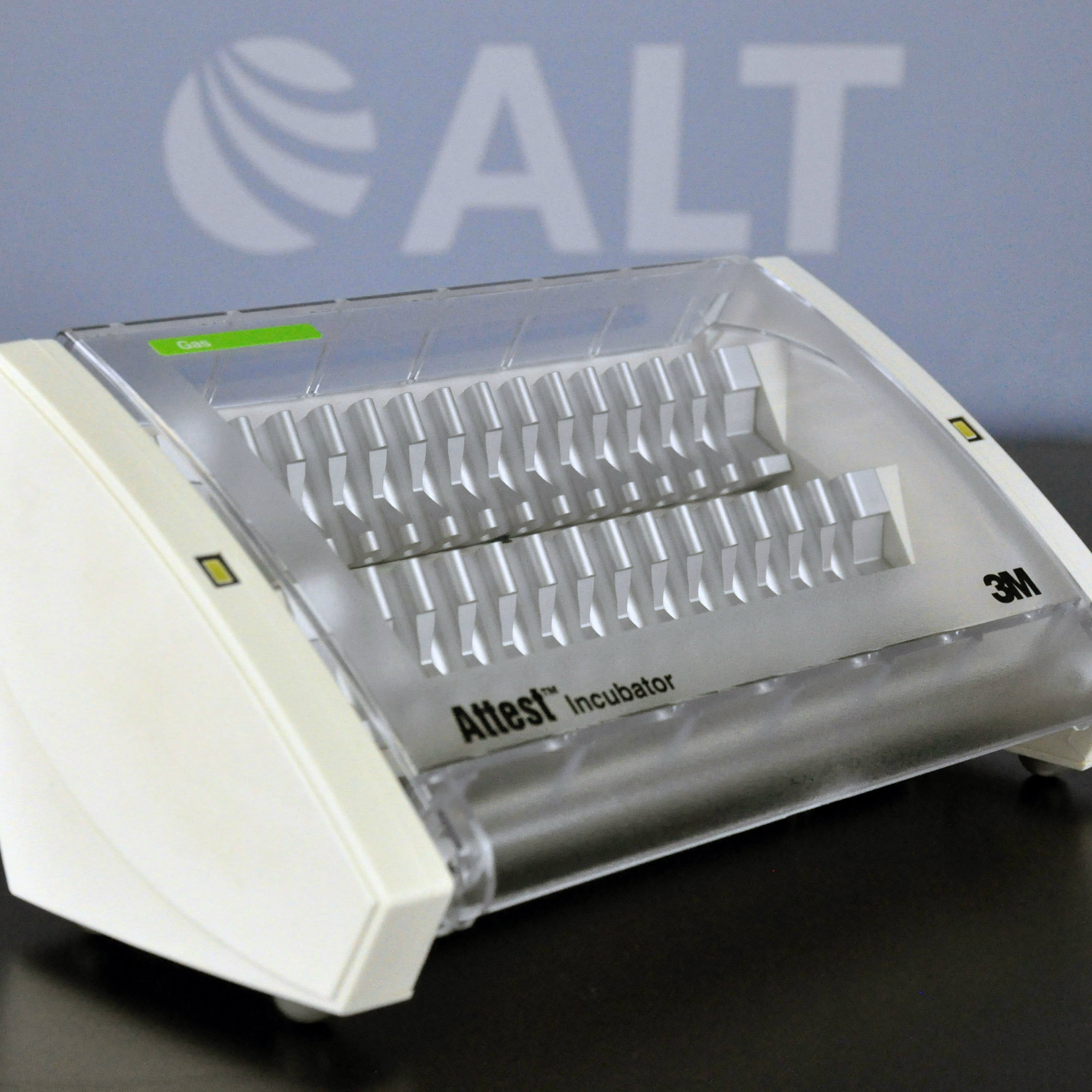 3M 126 Attest Biological Indicator Incubator Image
