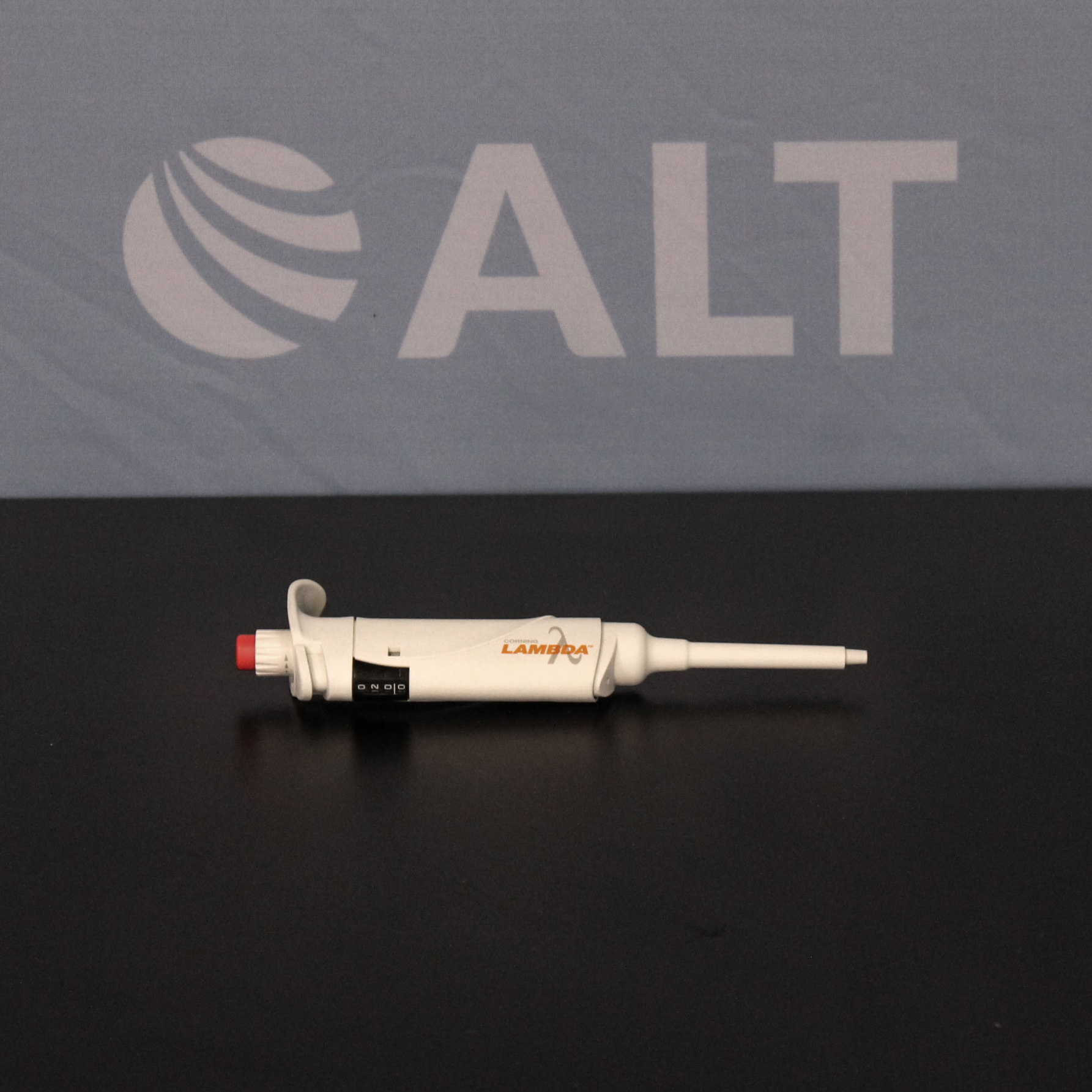 Corning Lambda Single-Channel Pipette, 20-200ul Image
