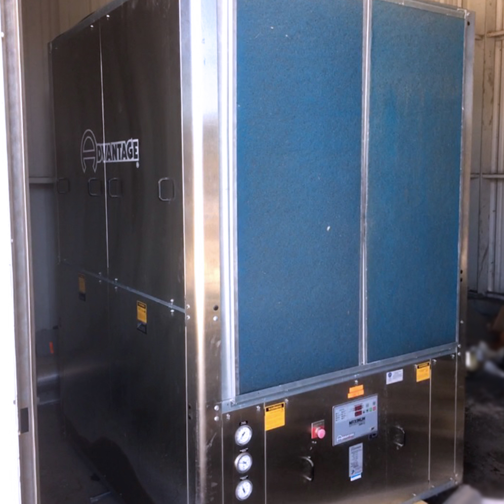 Advantage Model M1-30A-R410 Air-Cooled Water Chiller Image