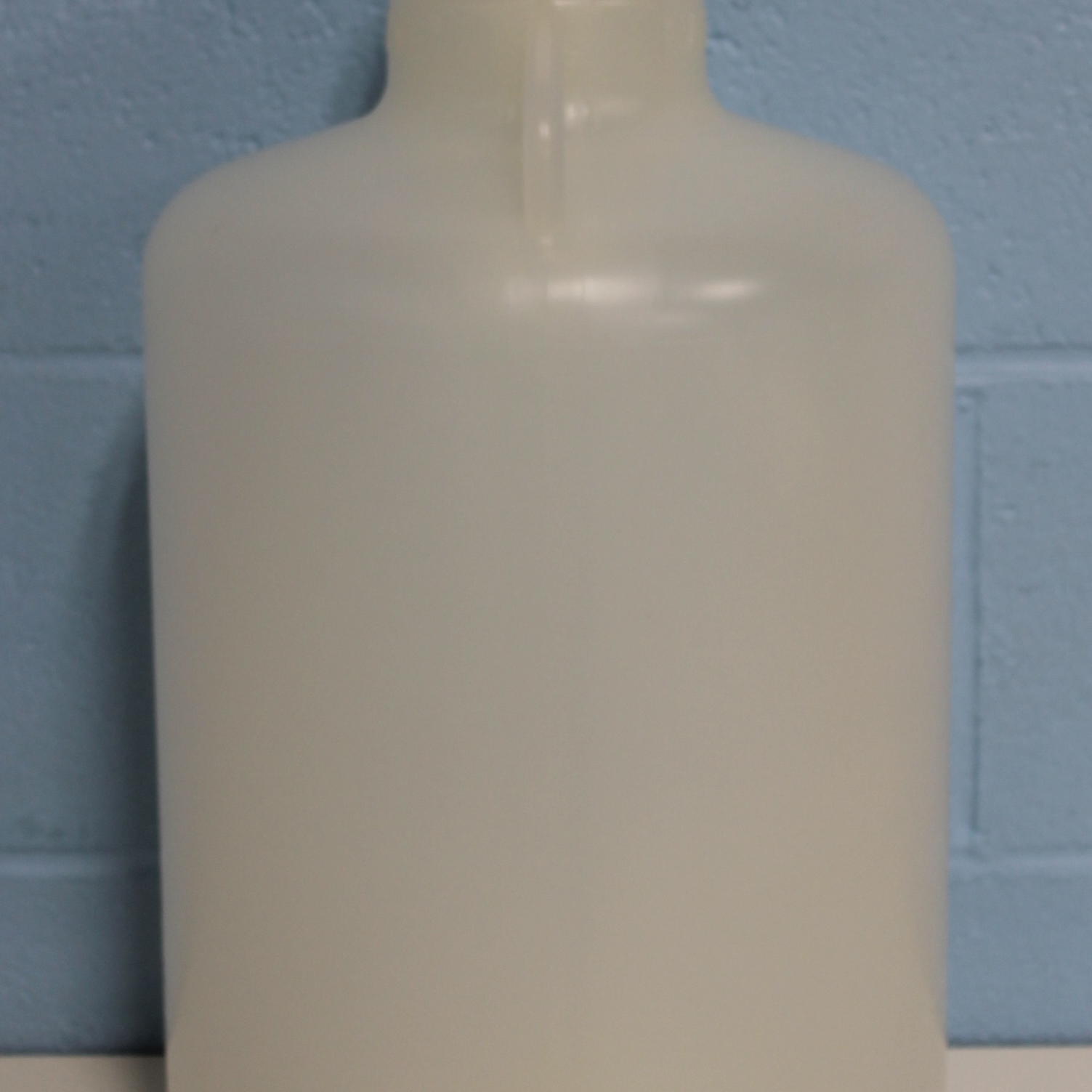 Nalgene 2640-0050 Polypropylene 20L Autoclavable Carboy with Sanitary Flange Image