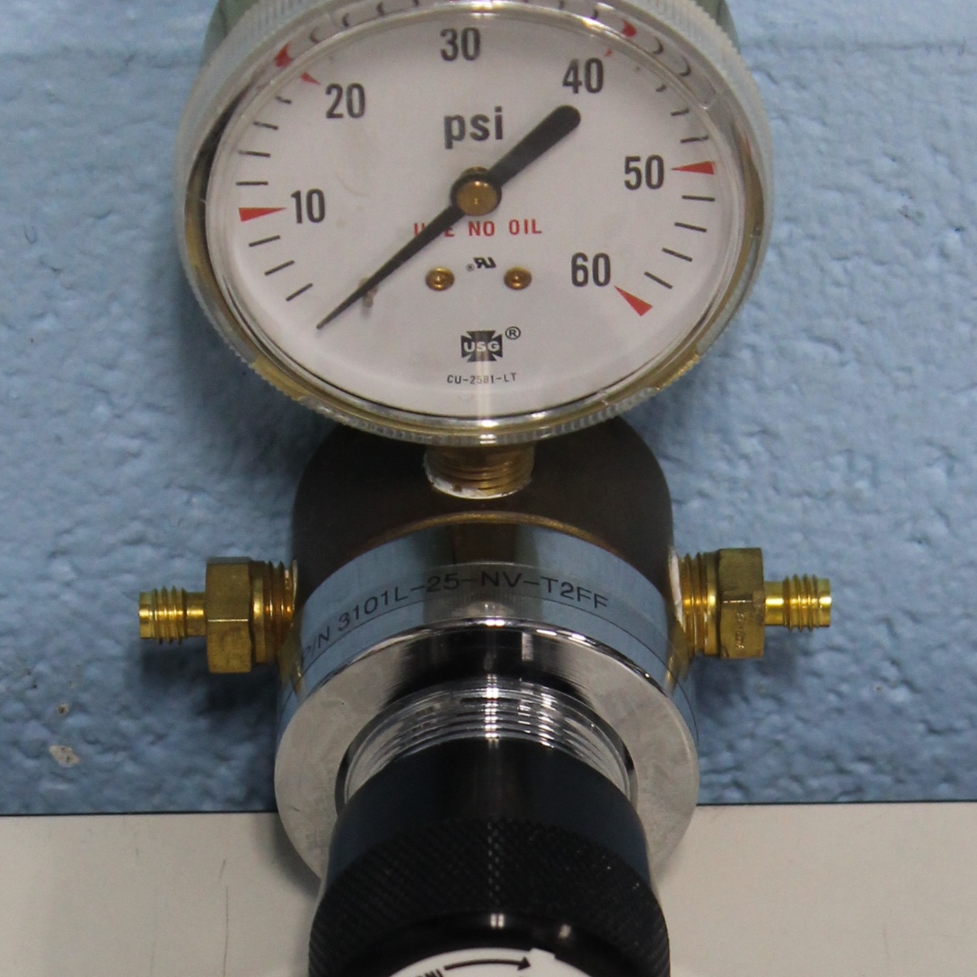 Middlesex Gases 3101L-25-NV-T2FF Brass High Purity Line Regulator Image