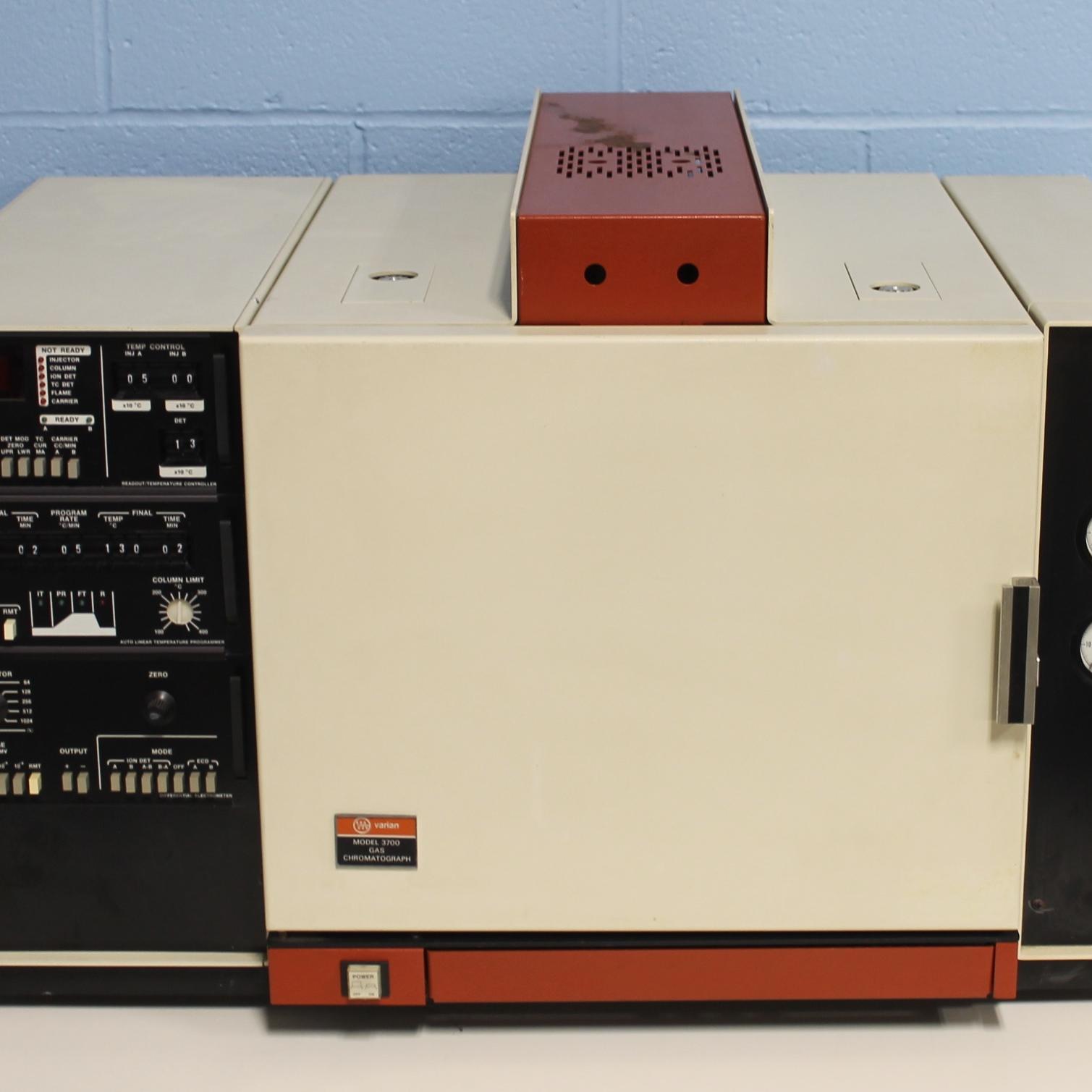Varian 3700 Gas Chromatograph Image