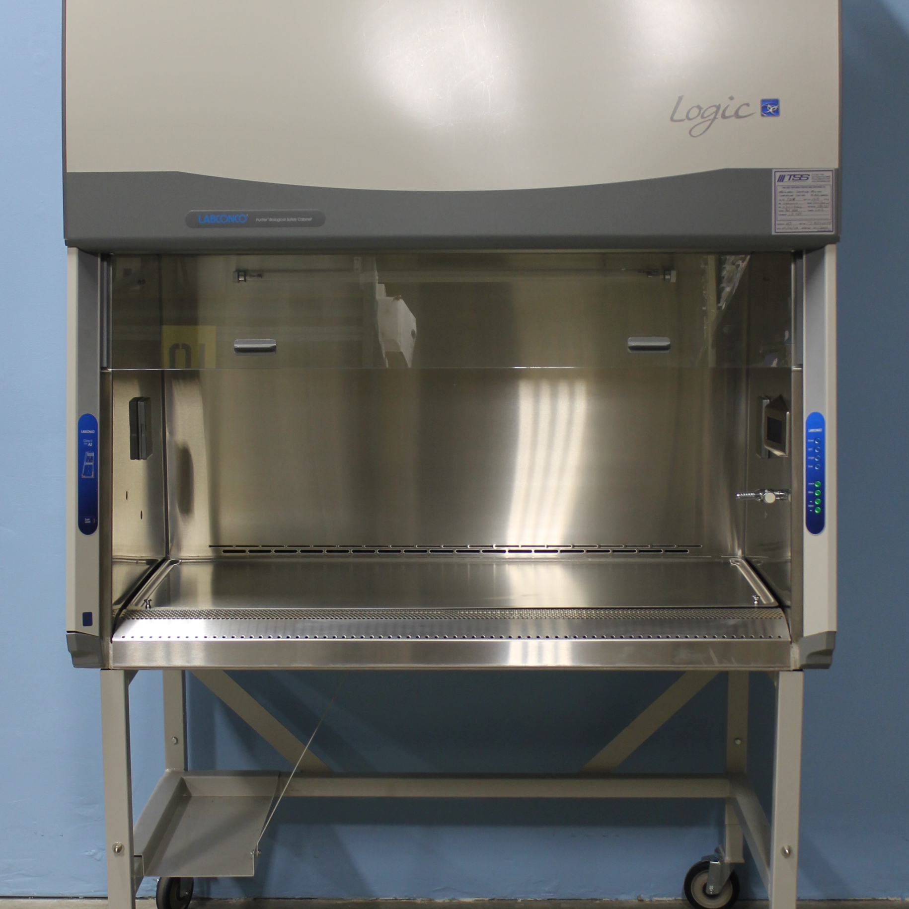 Labconco 4' Purifier Logic Class II, Type A2 Biological Safety Cabinet Image