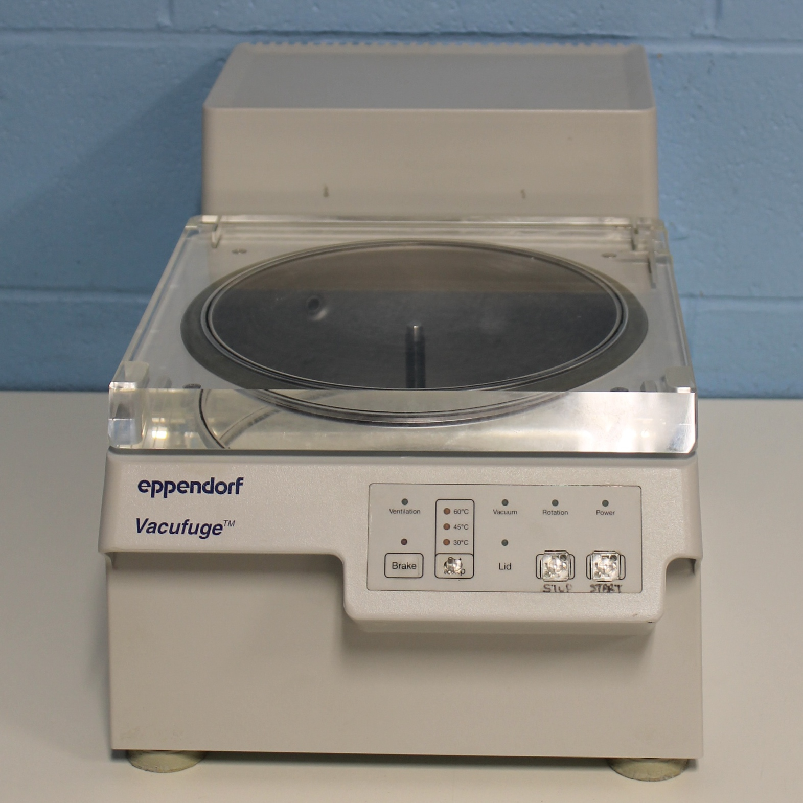 Eppendorf 5301 Vacufuge Vacuum Concentrator Image