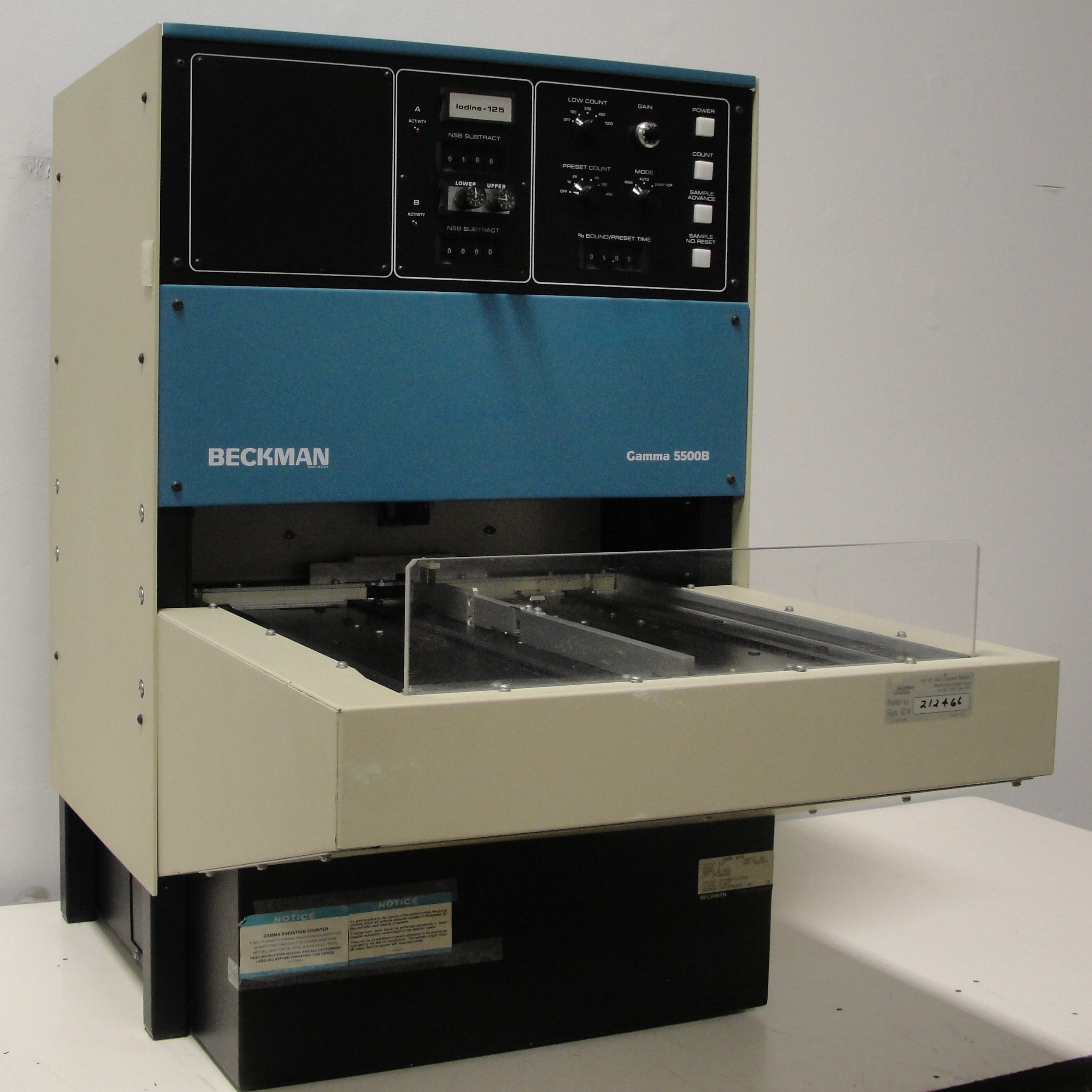 Beckman Coulter 5500B Gamma Counter Image