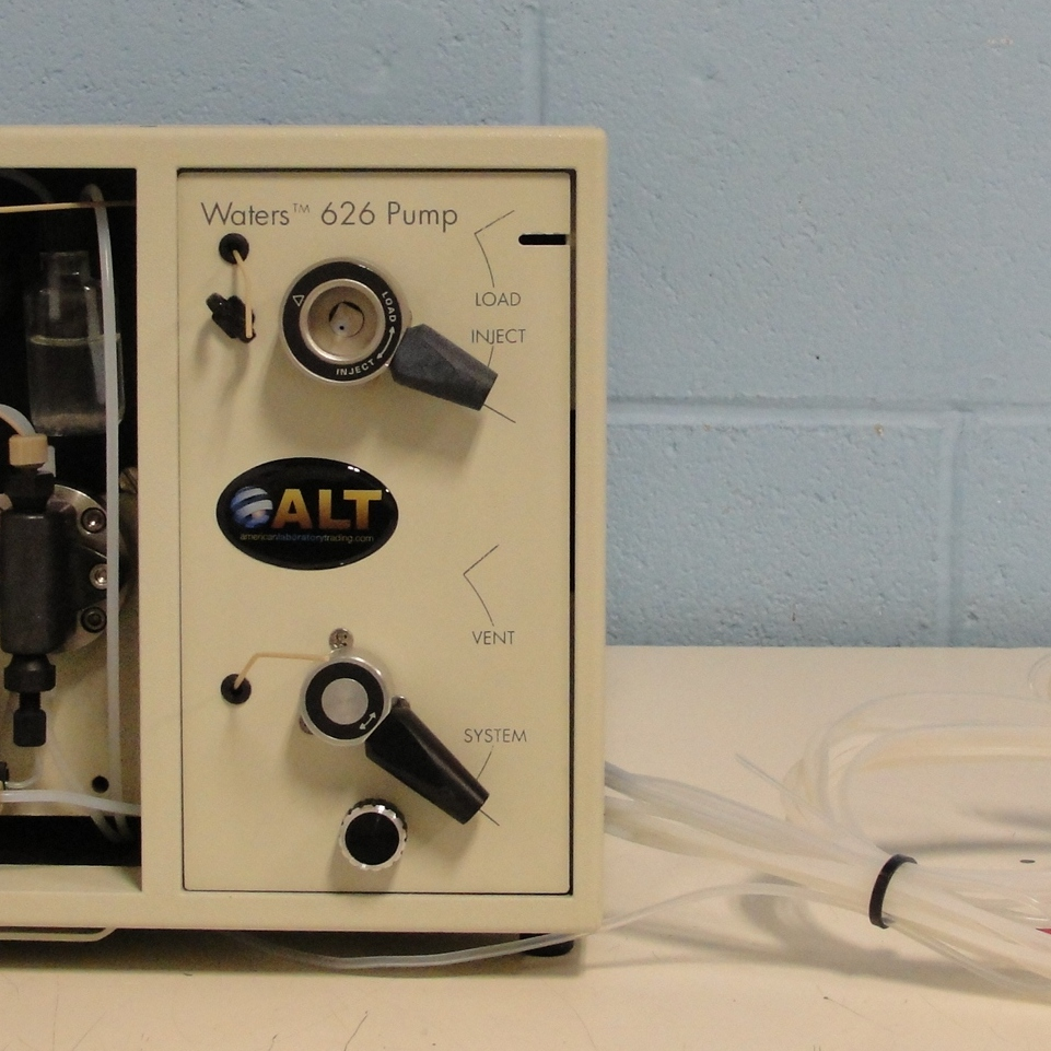 Waters 626 HPLC MultiSolvent Quaternary Delivery Pump Image