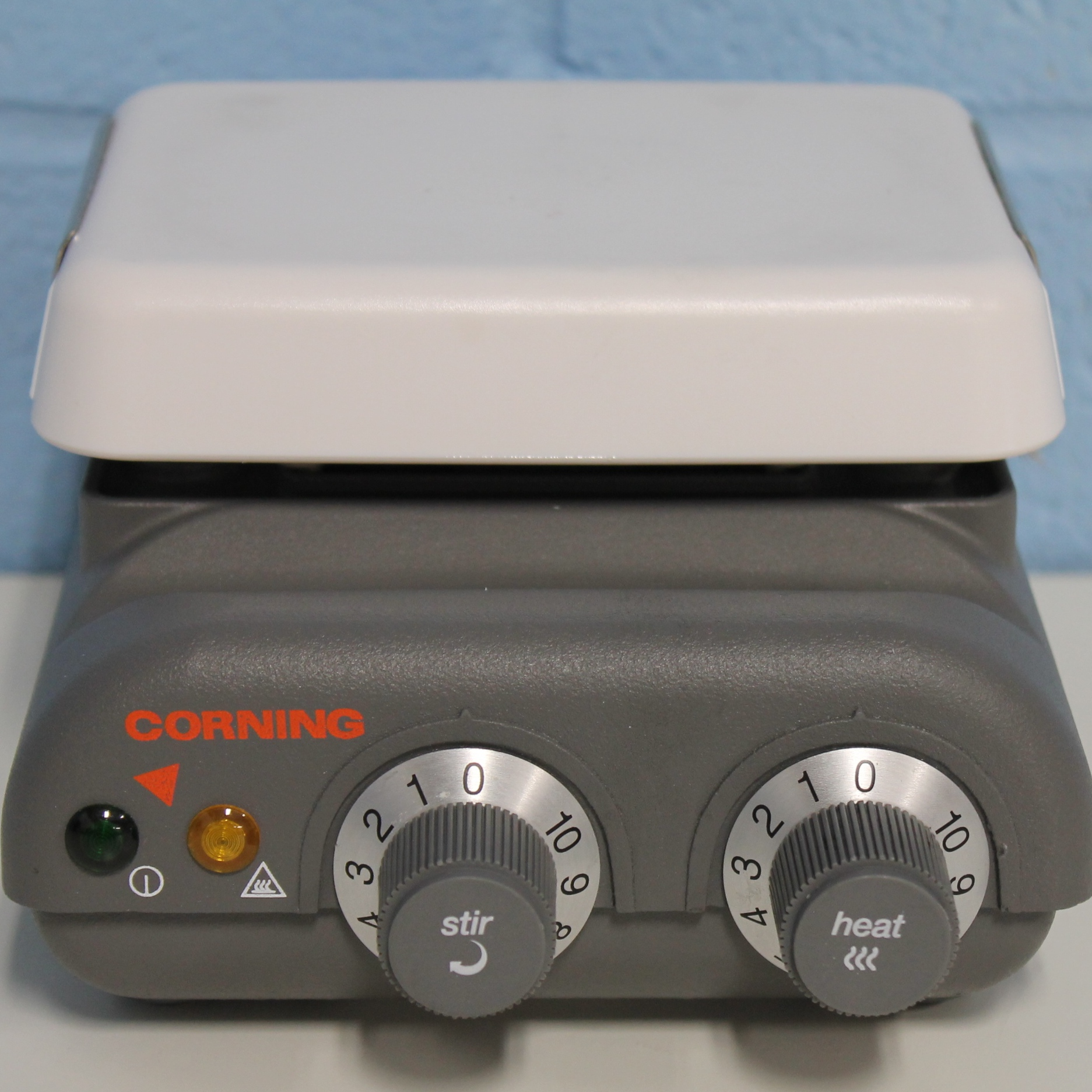 Corning PC-220 Hot Plate Stirrer with 4 x 5-Inch Pyroceram Plate Image