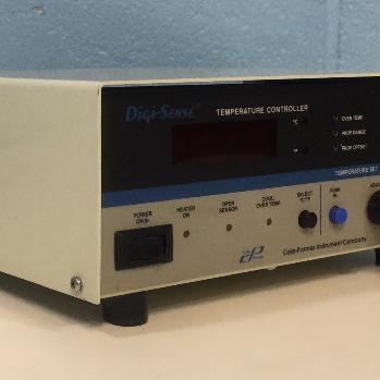 Cole-Parmer Digi-Sense Temperature Controller Model 2186-20A Image