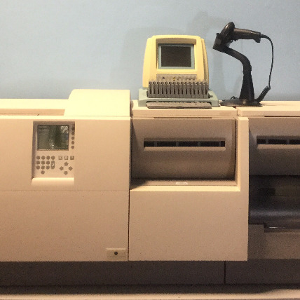 Vitek 2 XL Microbiology Analyzer Image