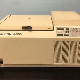 Sanyo Falcon 6/300 Benchtop Centrifuge Image