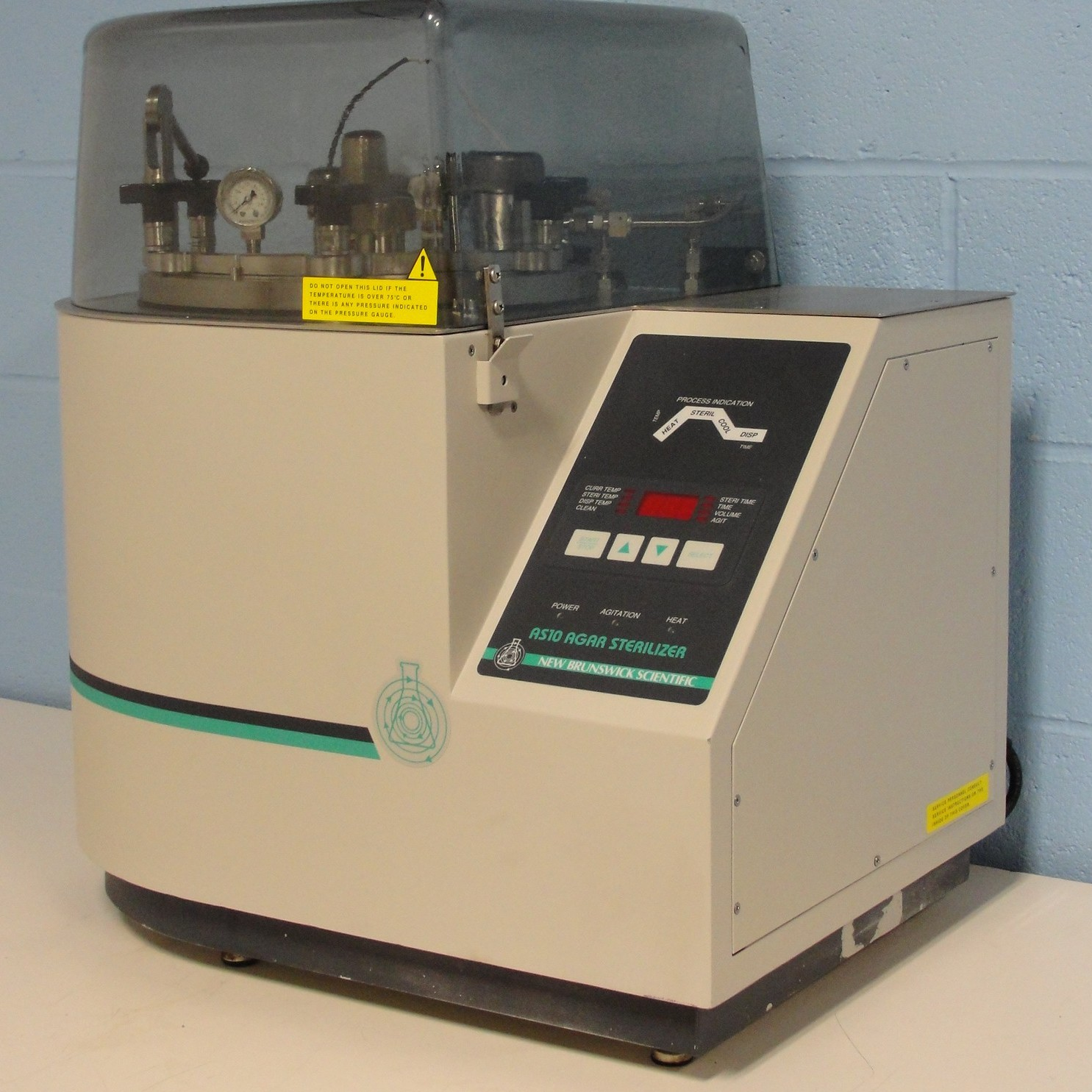 New Brunswick Scientific Co AS-10 Agar Sterilizer Image