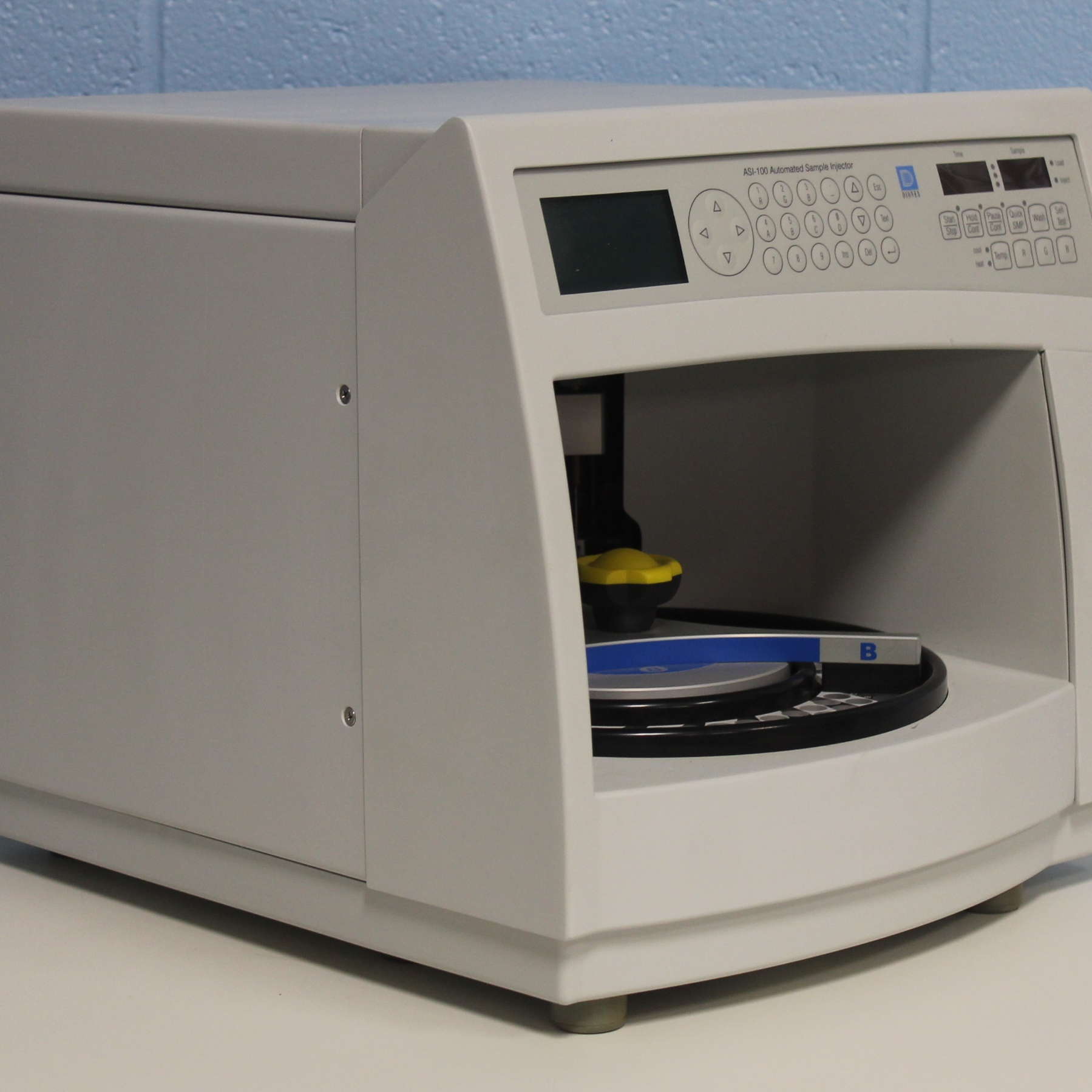 Dionex ASI-100 Automated Sample Injector Image