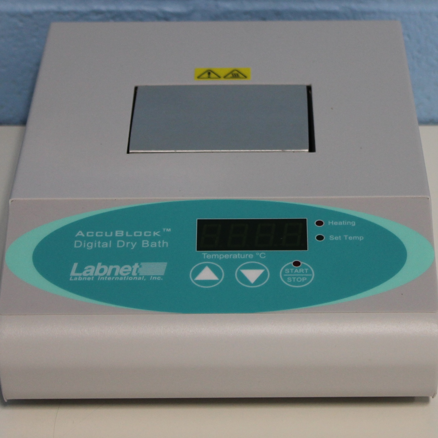 Labnet AccuBlock D1100 Digital Dry Bath Image