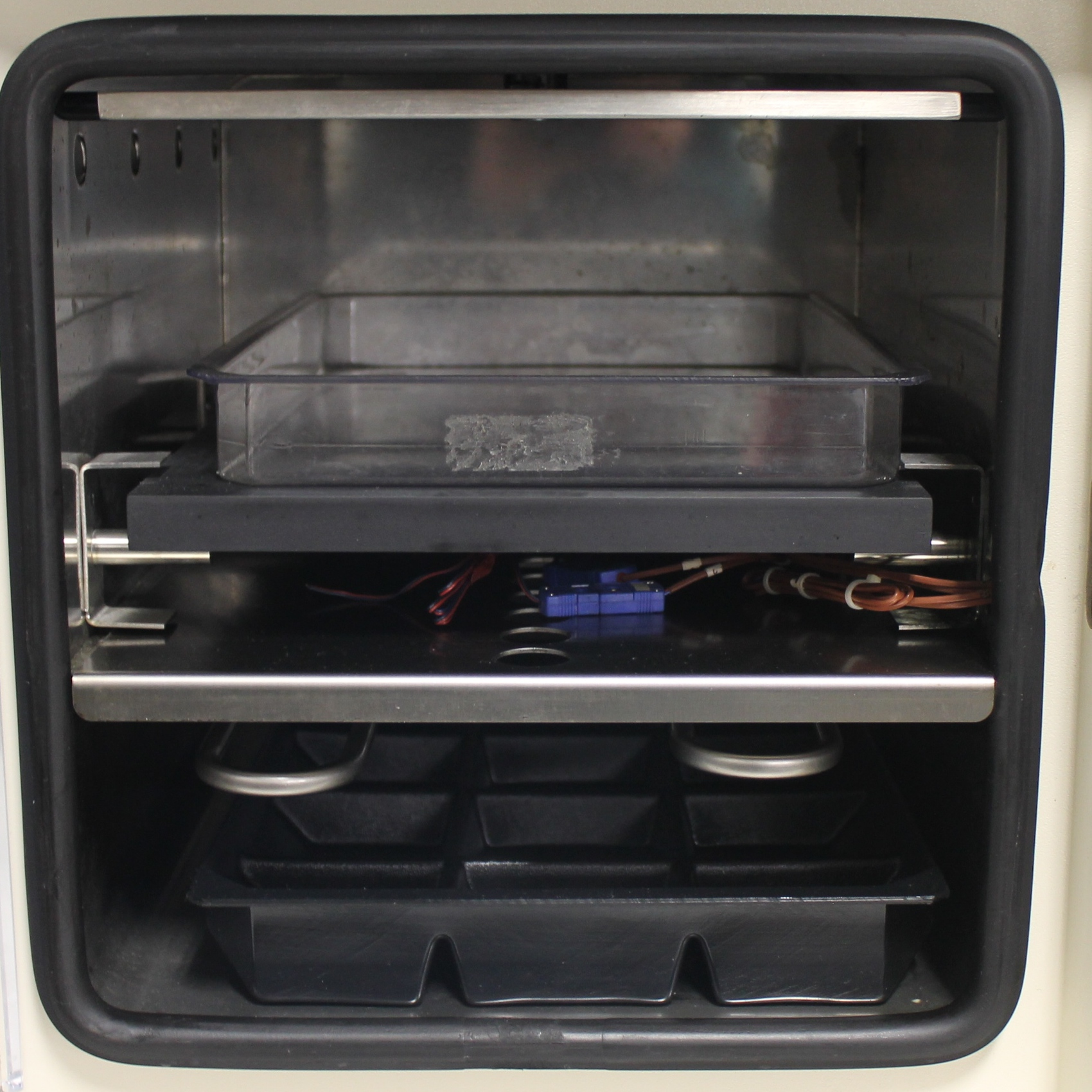VirTis AdVantage Plus BenchTop Freeze Dryer Model XL-70 Image