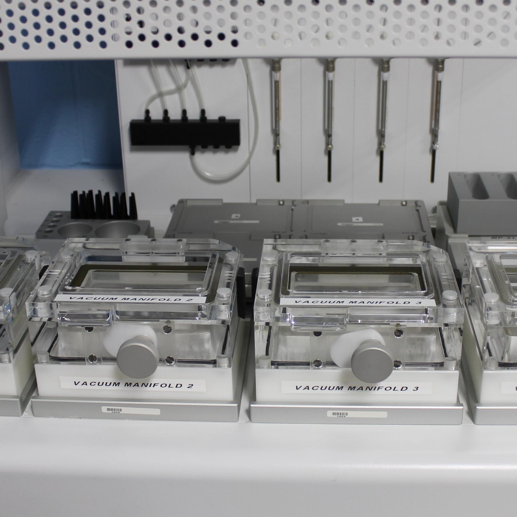 Qiagen BioRobot 3000 Image