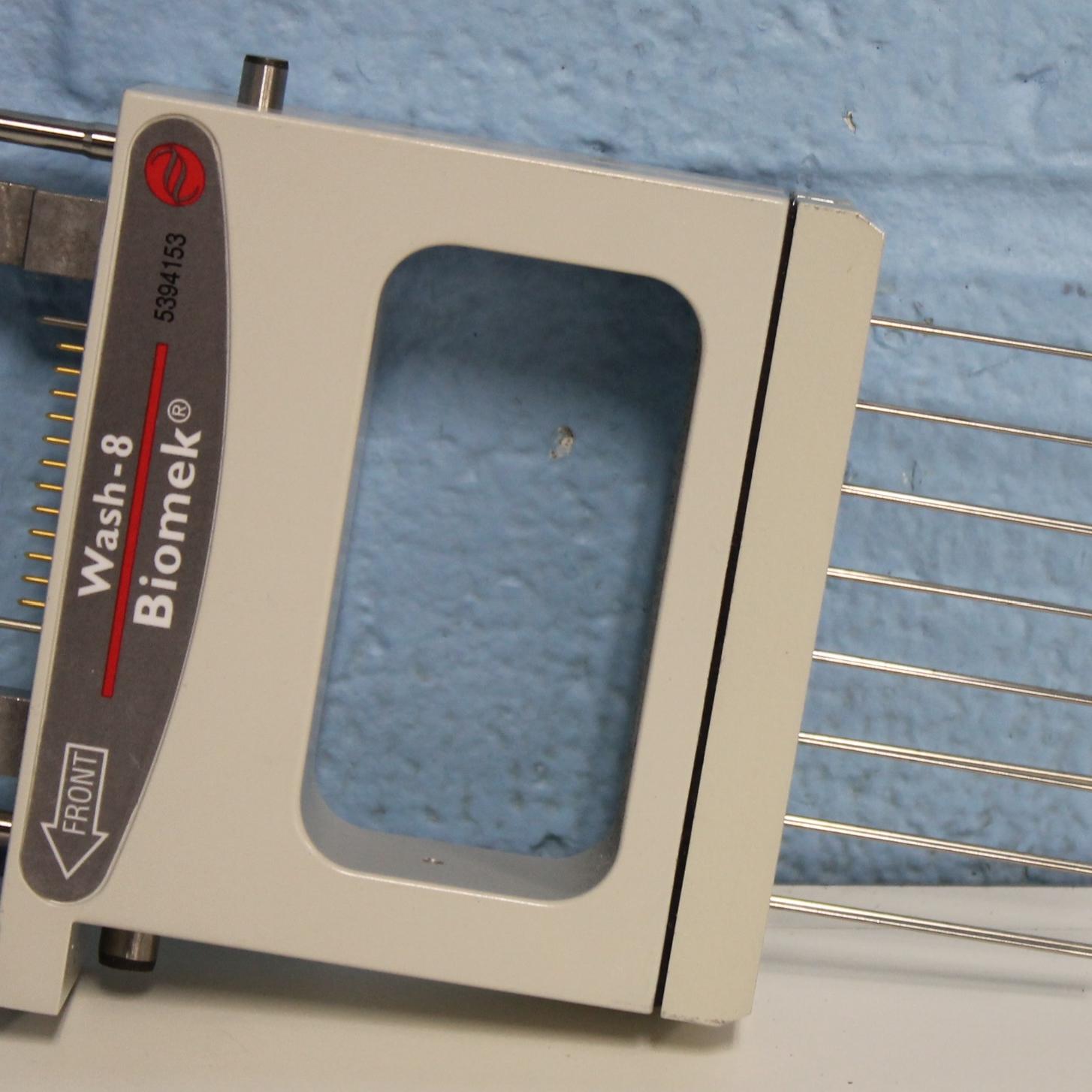 Beckman Coulter Biomek 3000 Laboratory Automation Workstation Image