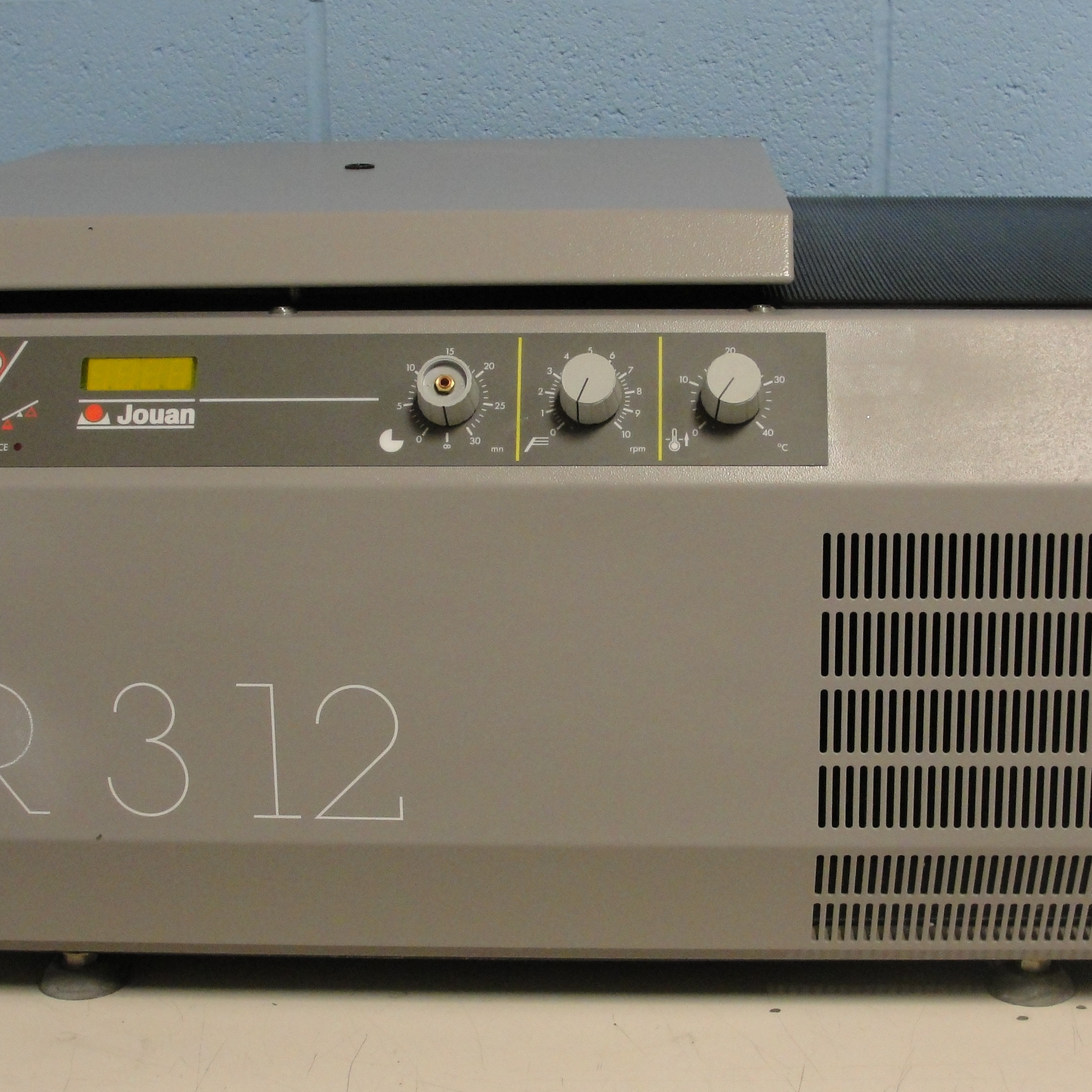 Jouan CR312 Refrigerated Bench-top Centrifuge Image
