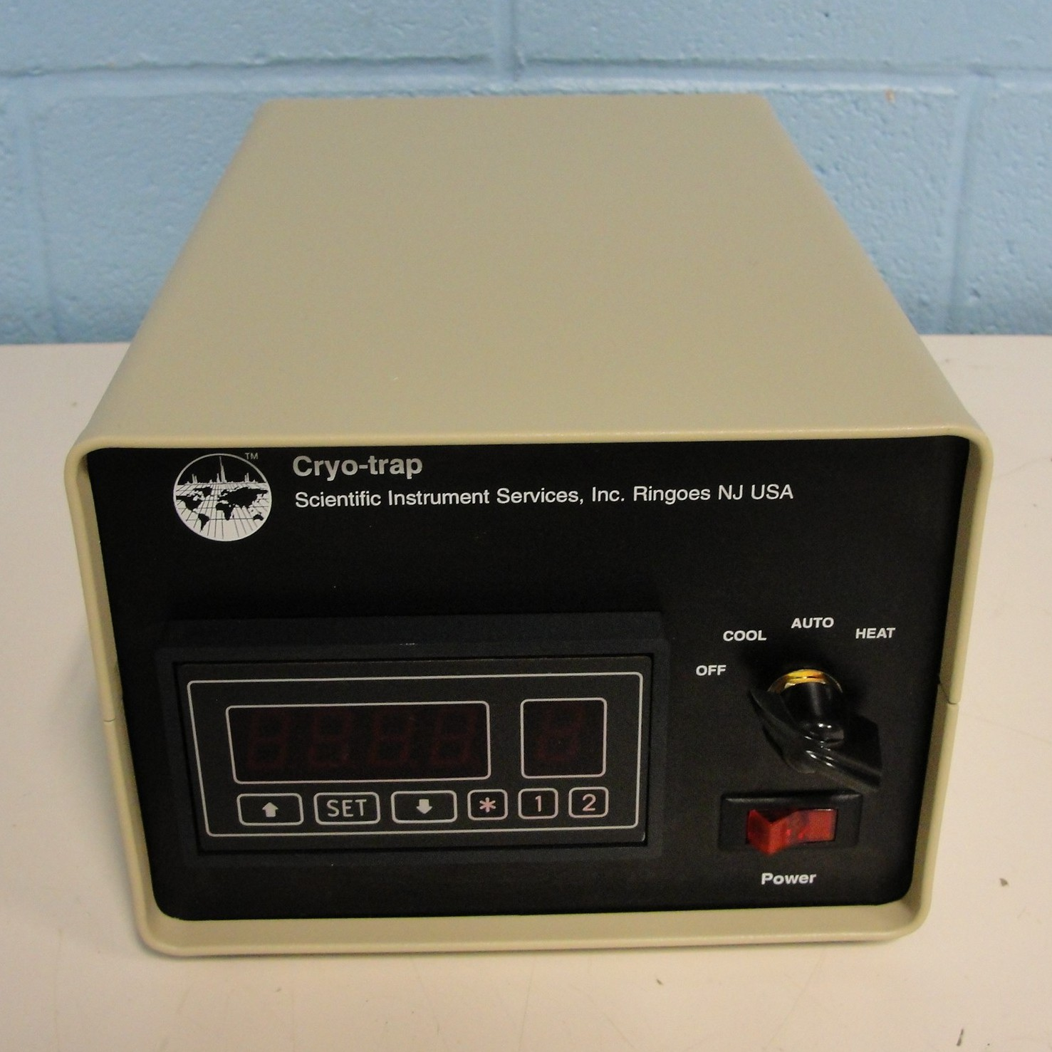 Cryo-Trap Electronics Contoller Model 981 (LN2 coolant) Name
