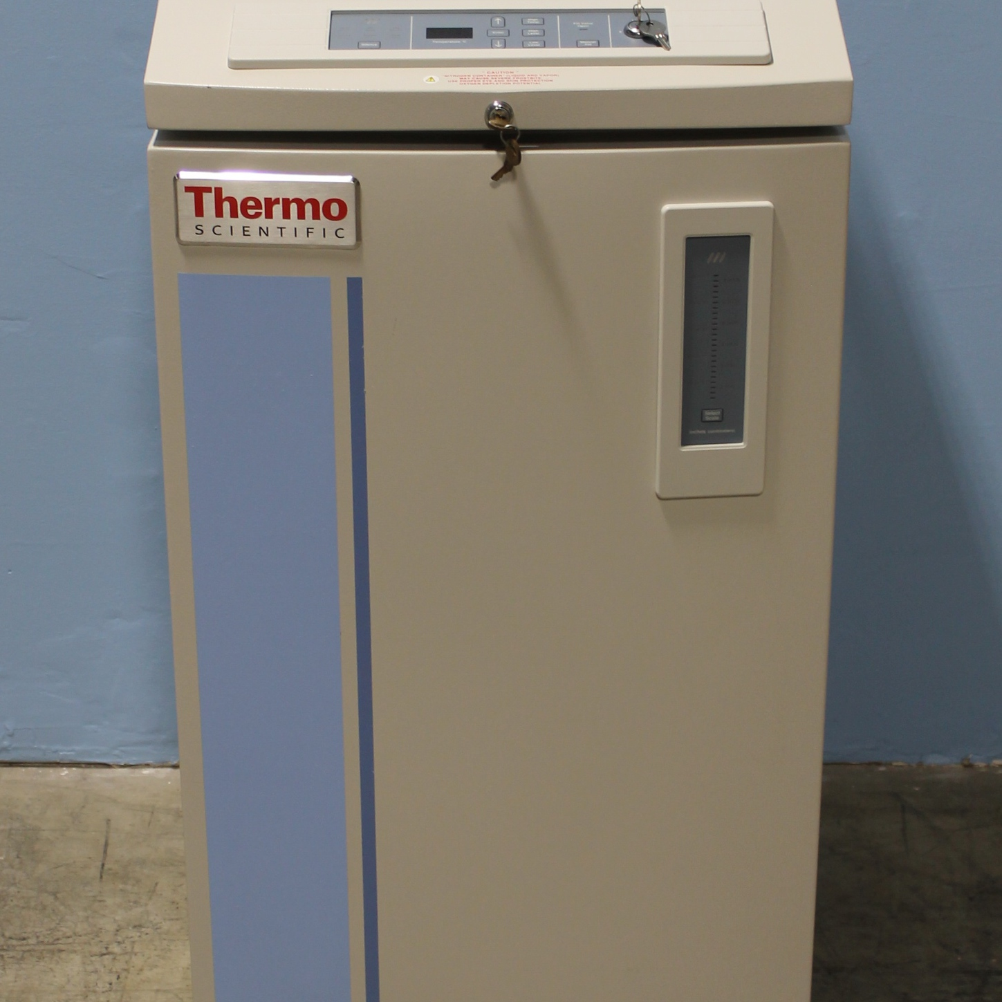 Thermo Scientific CryoPlus 1 Liquid Nitrogen Cryo Storage System Model 7400 Image