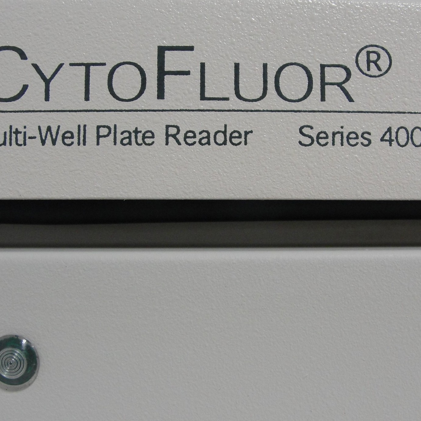 Perseptive Biosystems CytoFluor Multi-Well Plate Reader Image